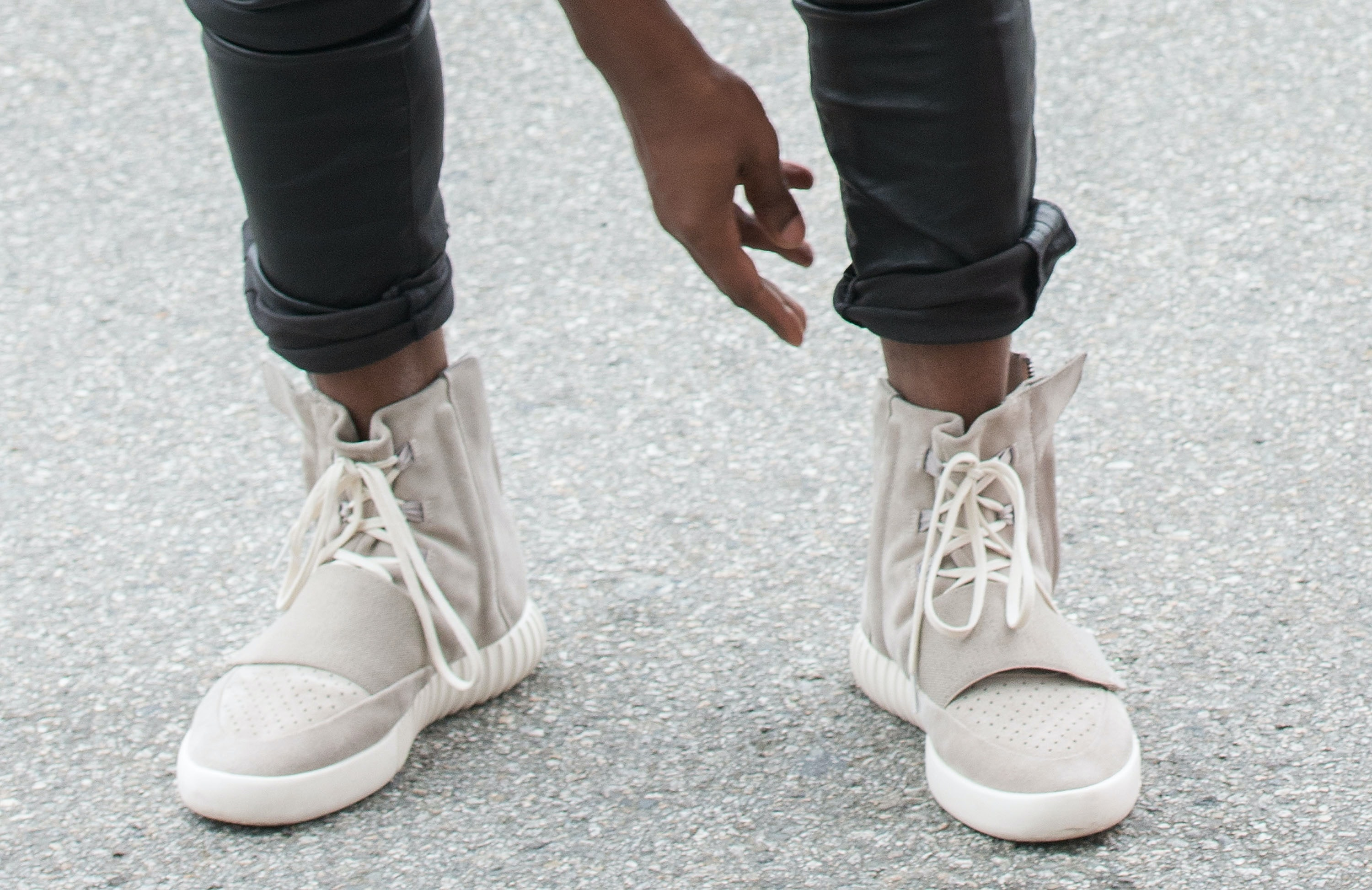 design de qualité baa27 d0fec Yeezy 750 Boosts In Black Are Being Released So Soon — PHOTO