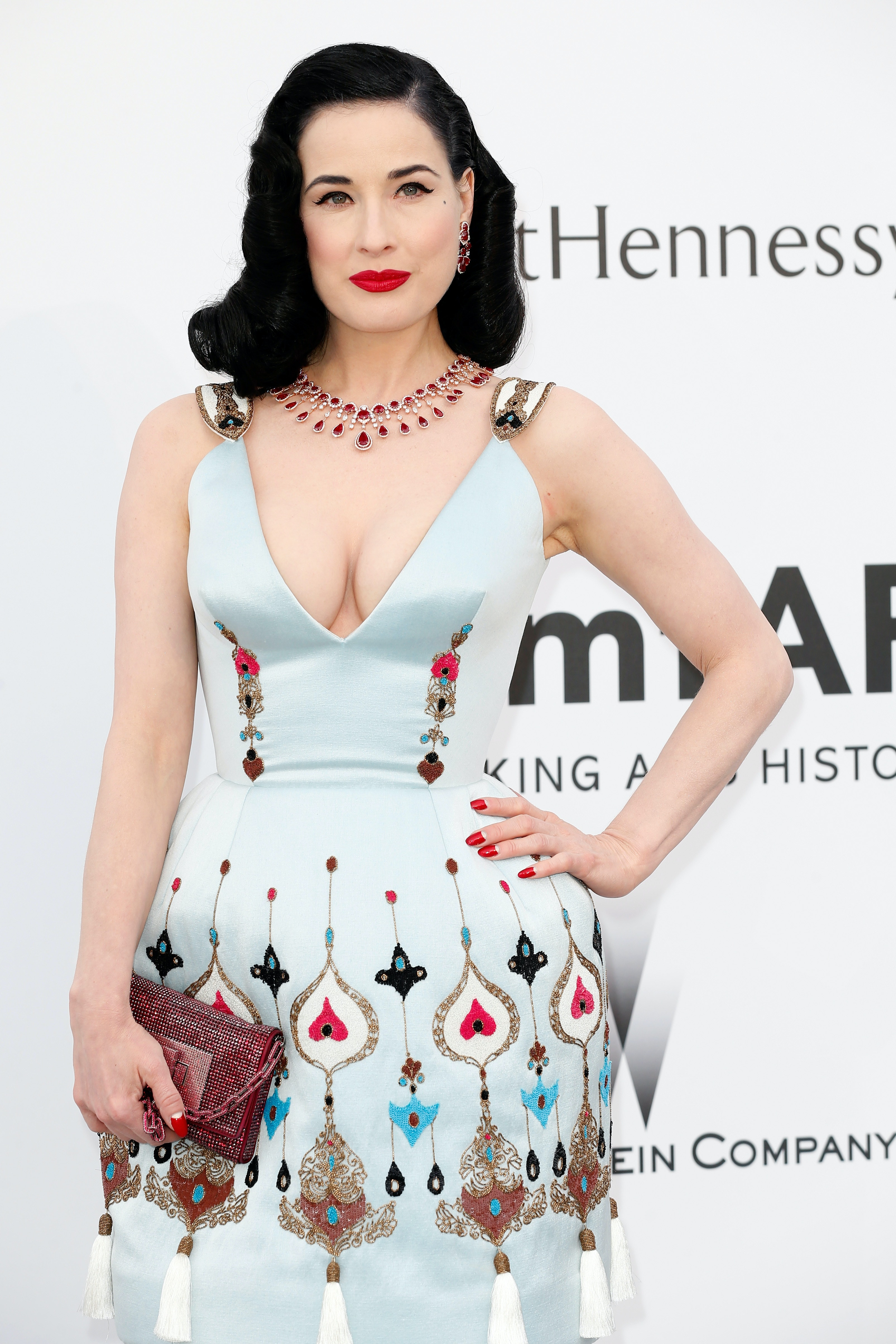 b8cf727f908 11 Empowering Dita Von Teese Quotes That Prove She Is A Body Positive Queen