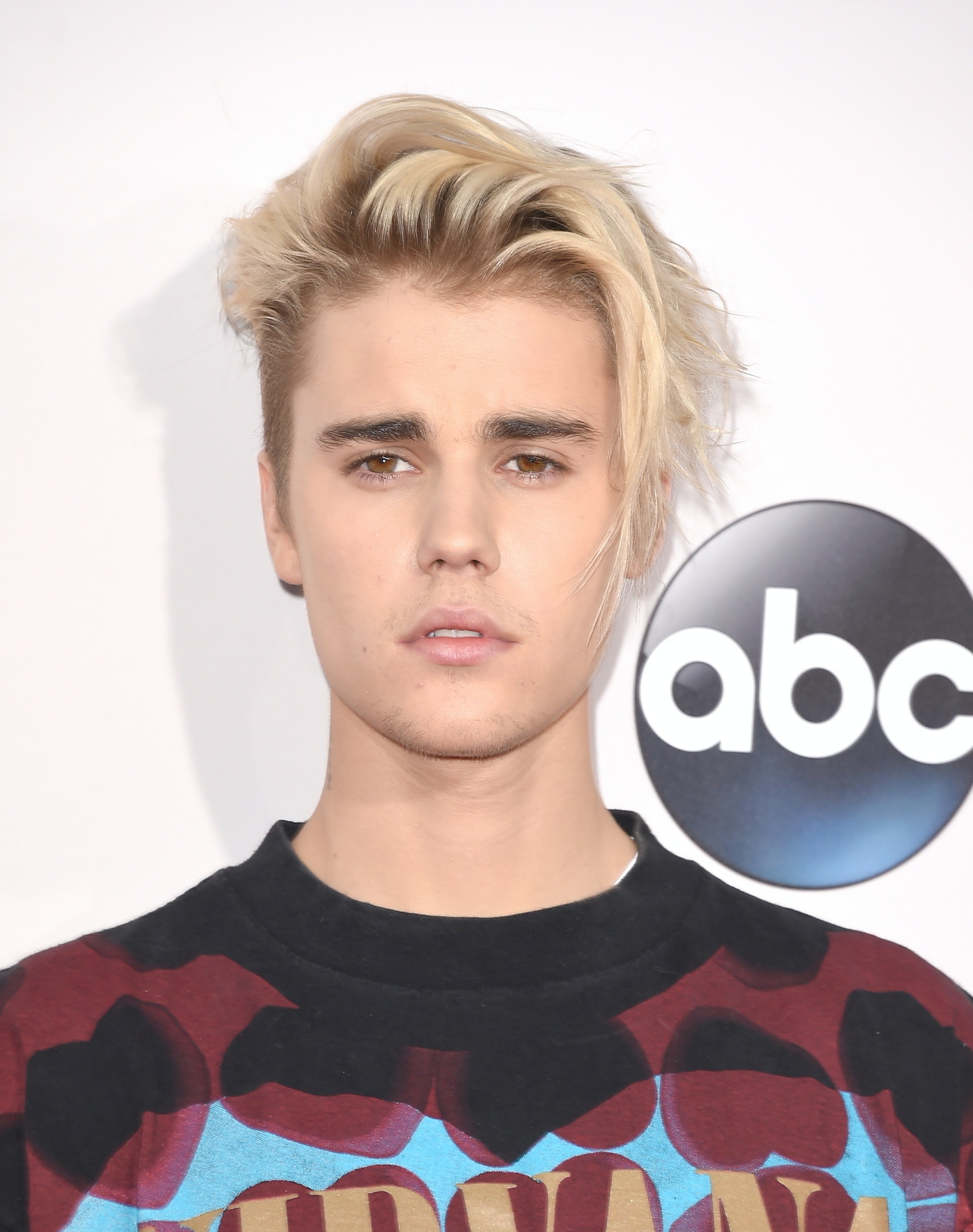 Is Justin Biebers Platinum Blonde Hair Real His New Look Is A