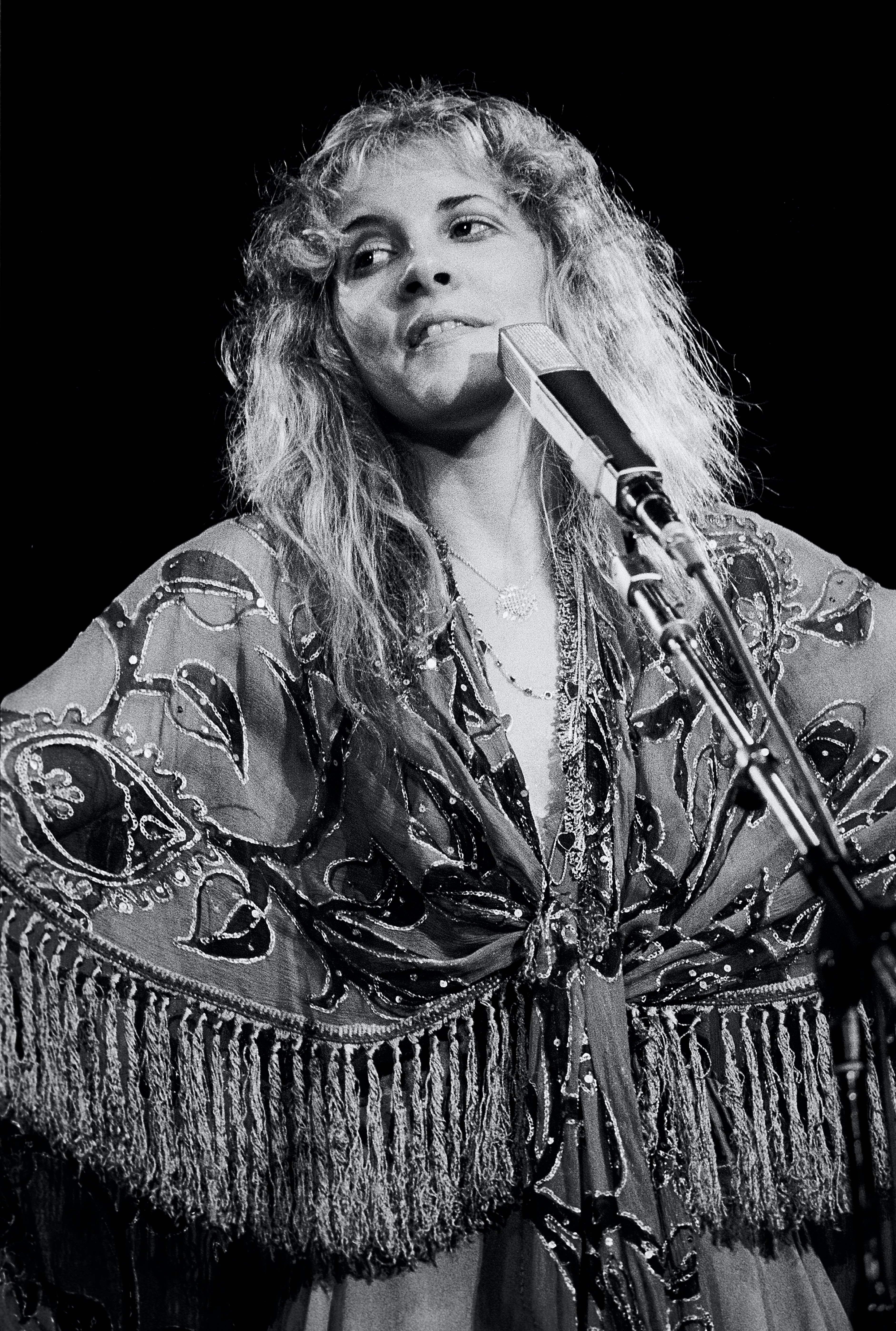 12df875cf1784 How To Dress Like Stevie Nicks   Channel Your Inner Gold Dust Woman