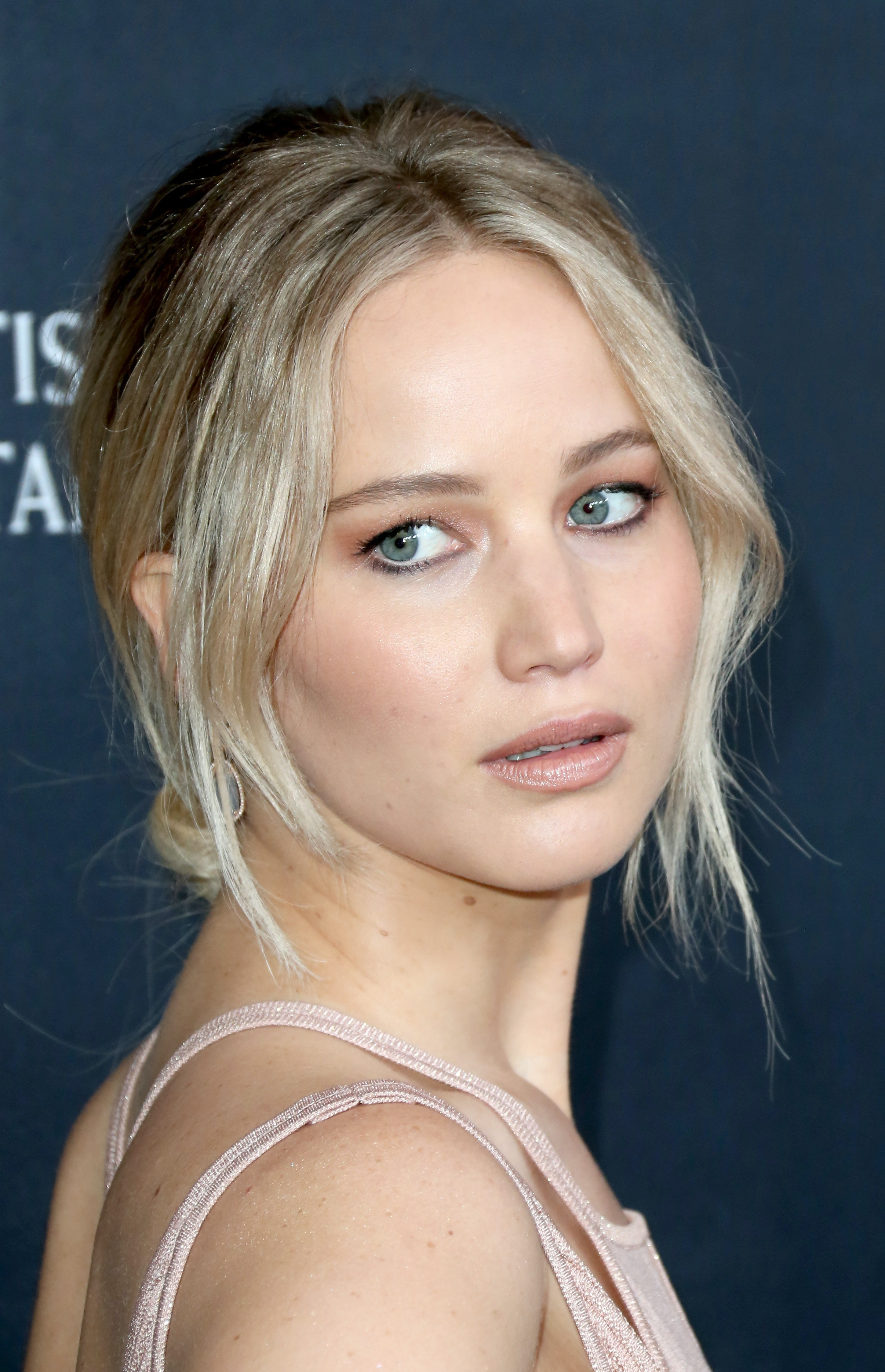 Jennifer Lawrence Changed Her Hair Color Proved That A Subtle
