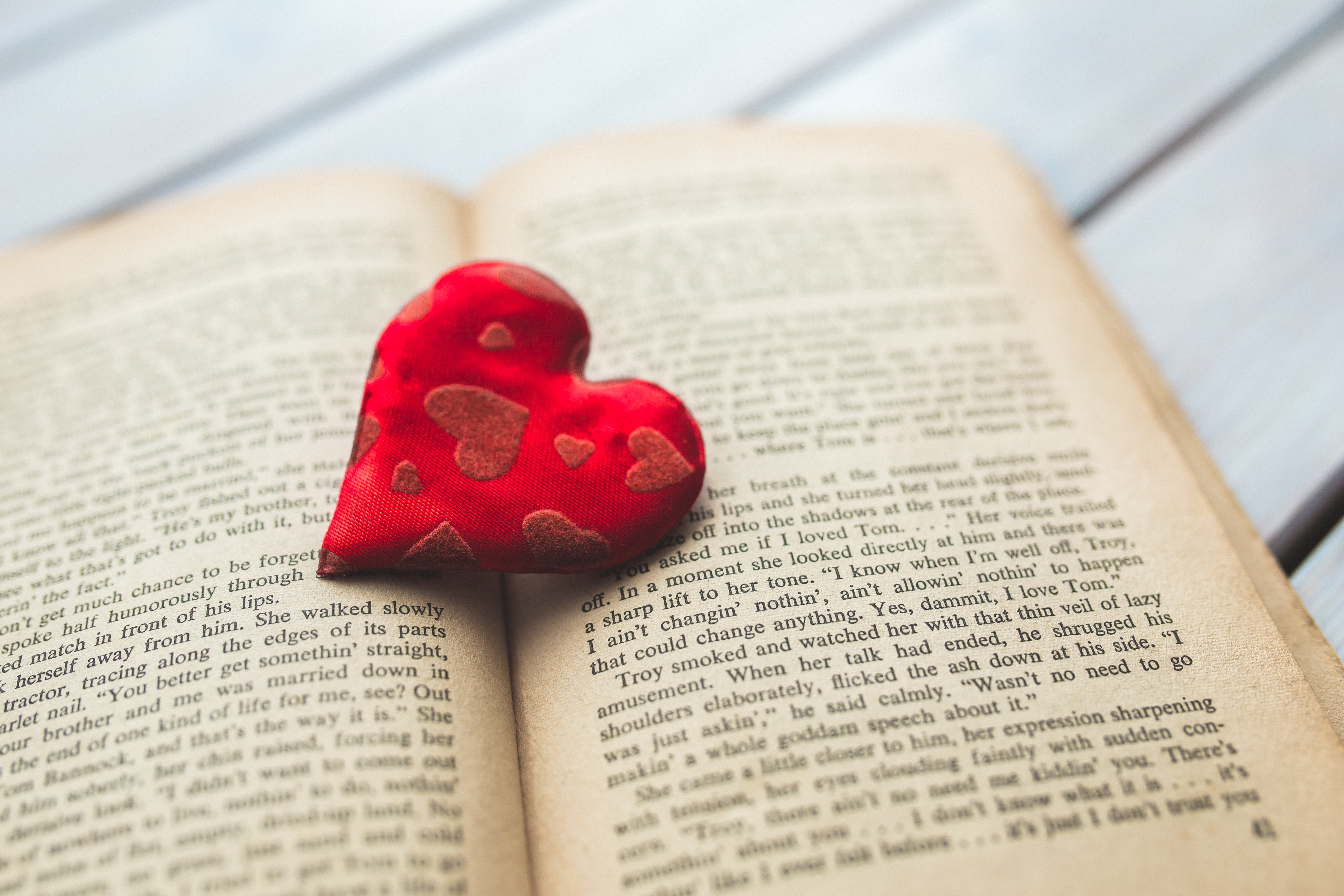 10 Romantic Valentine S Day Poems To Recite To Your Sweetheart