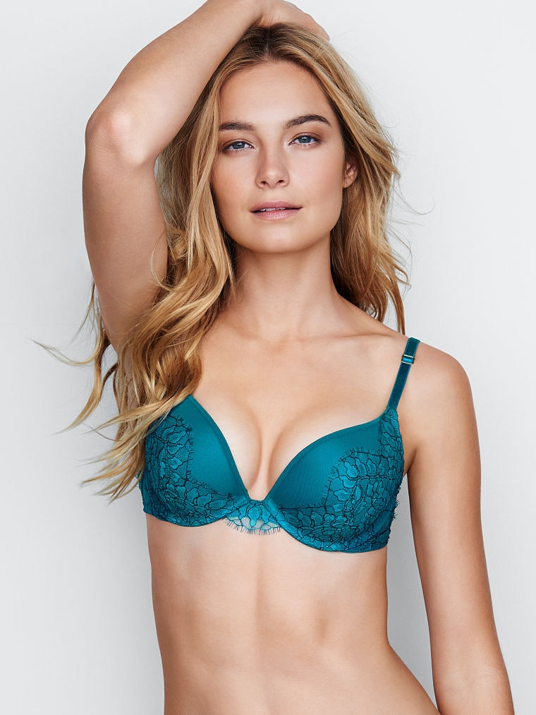 ba822b9f71 These 11 Bra Brands Women With Tiny Boobs Are Obsessed With Need To Be On  Your Radar