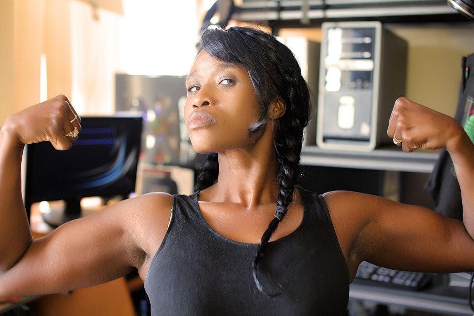 Black muscle lesbian