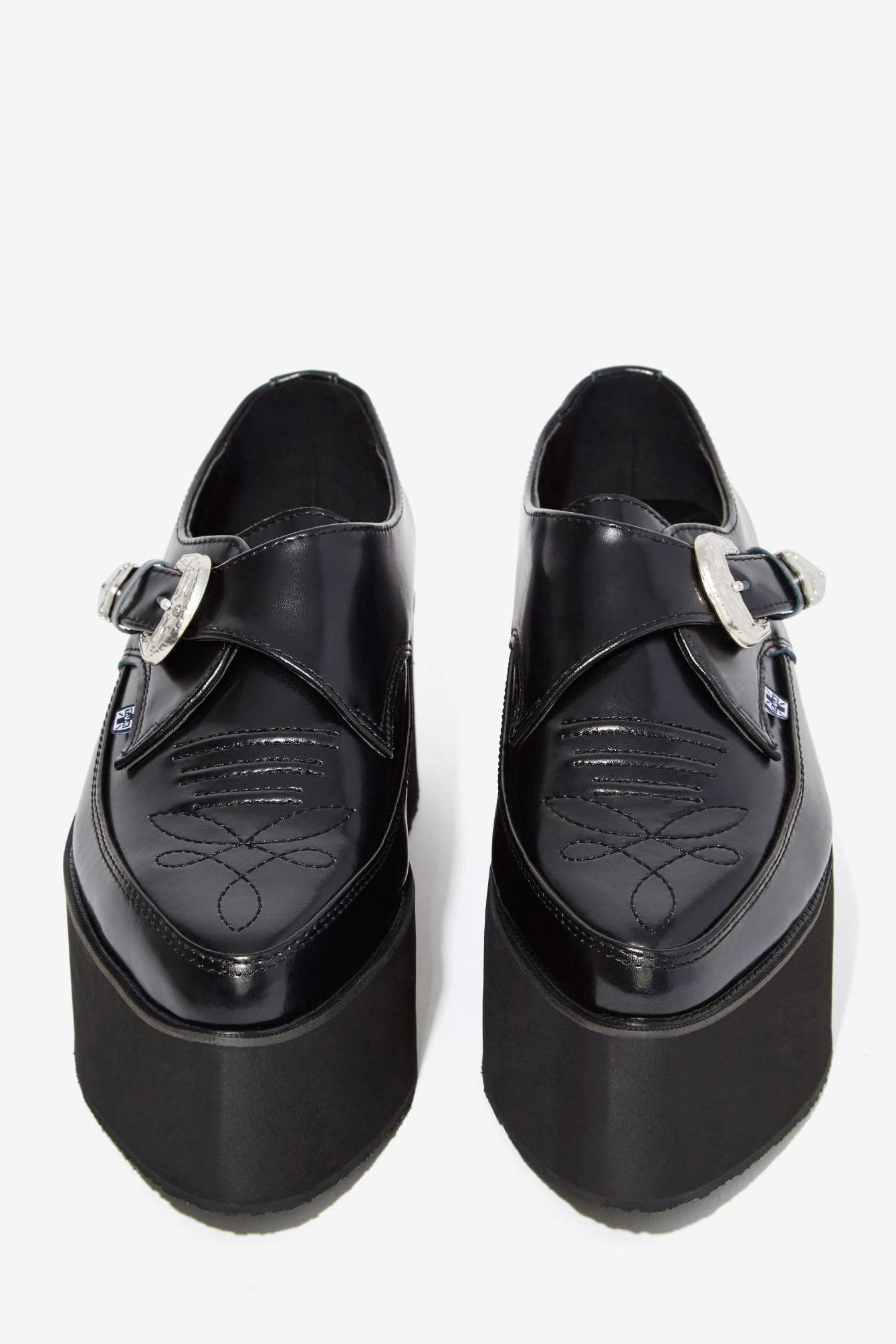 777b0b7fb8ab0 23 Platform Shoes To Rock This Spring Because Prints   Flatforms Are  Everything — PHOTOS