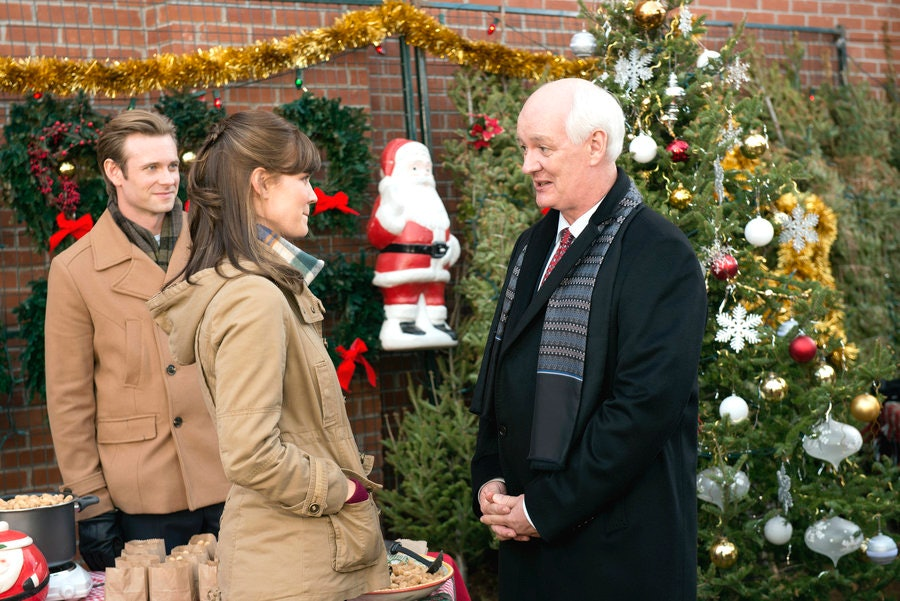How To Stream Your Favorite Hallmark Christmas Movies This Winter