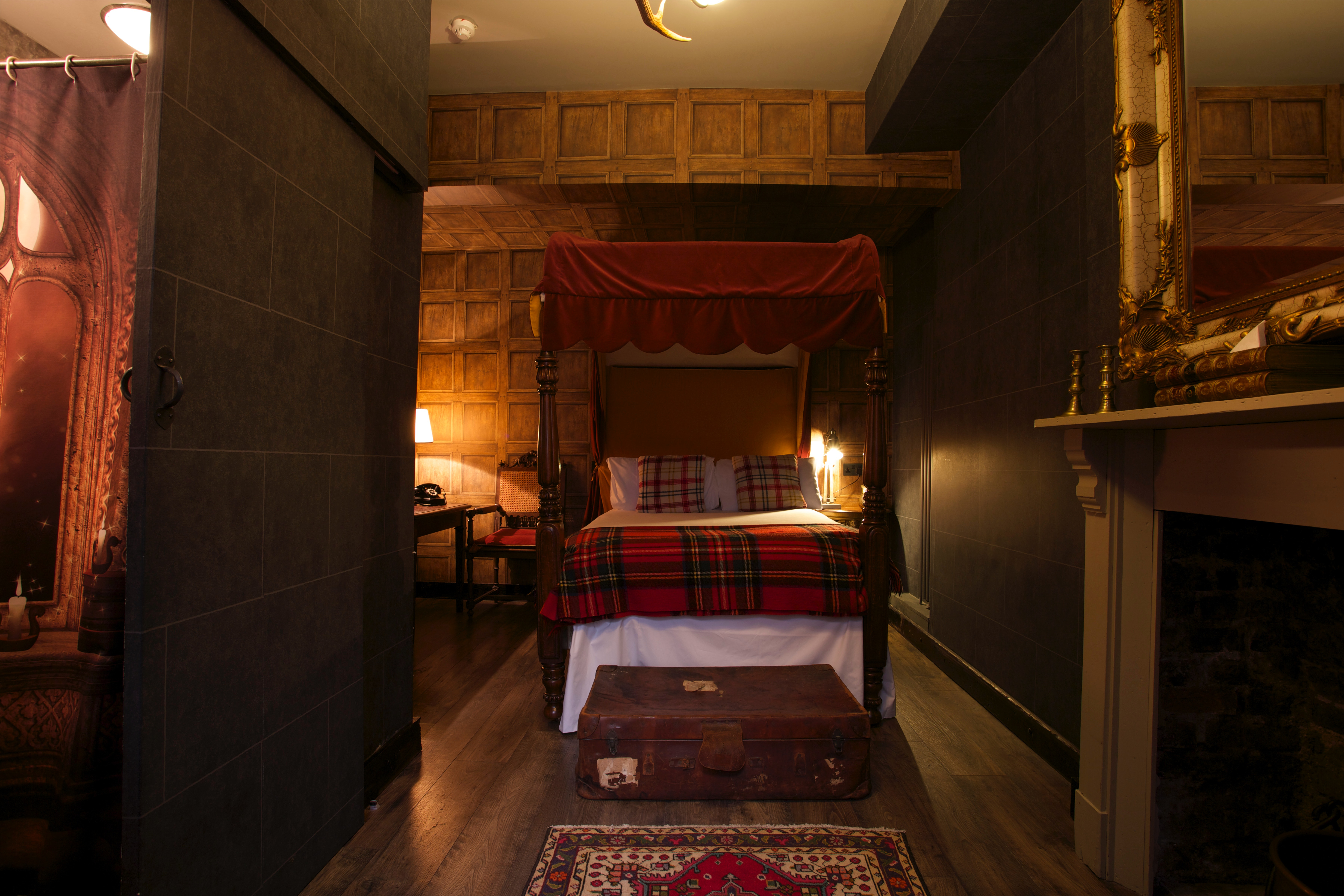 Hotel Georgian House Londra the 'wizard chambers' at this london hotel are perfect for