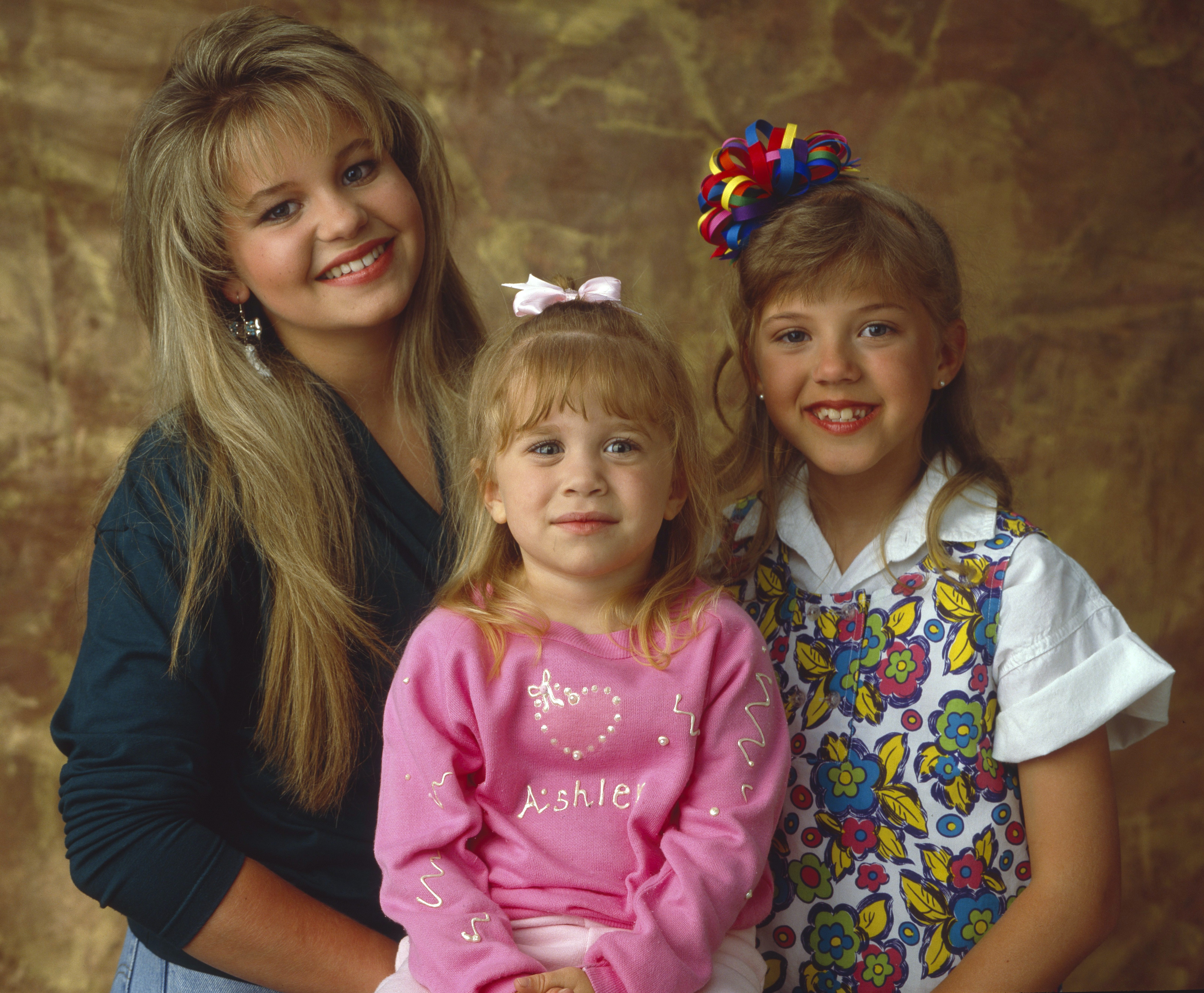 Full House Scrunchie Hairstyles That Will Make You Miss The