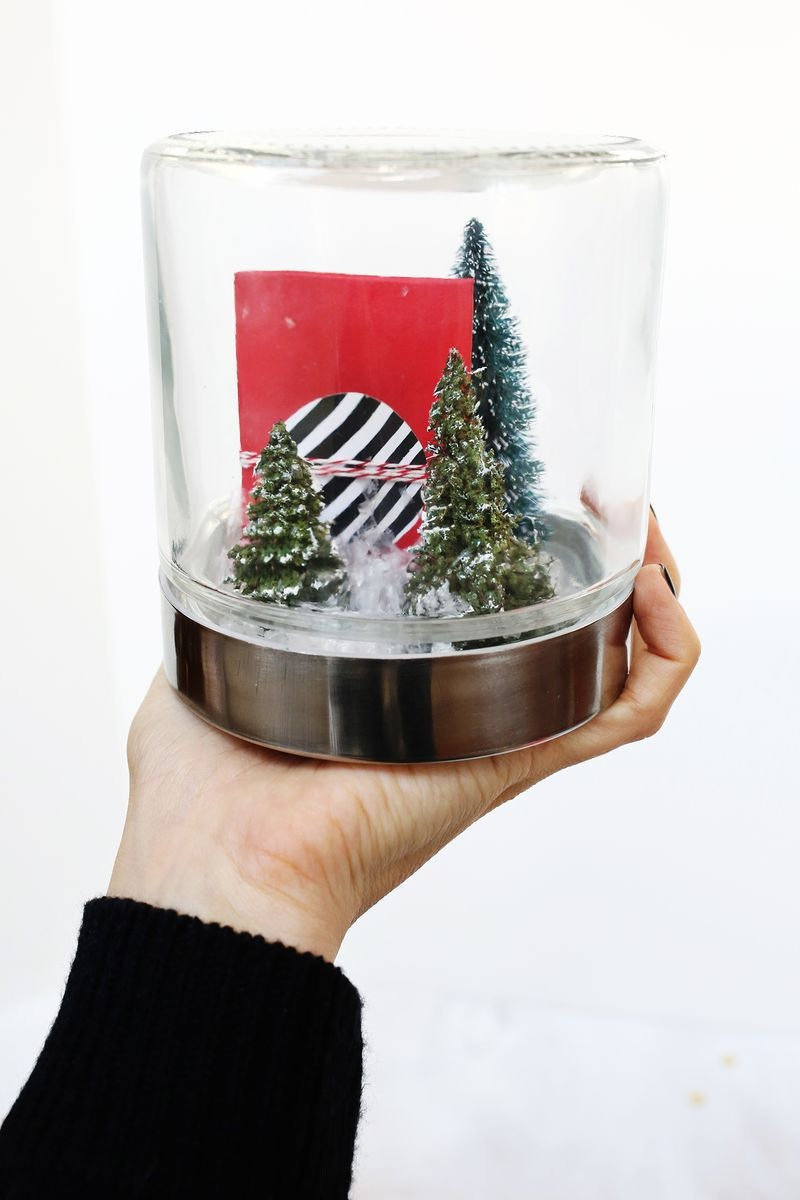 How to wrap a beautiful christmas gift