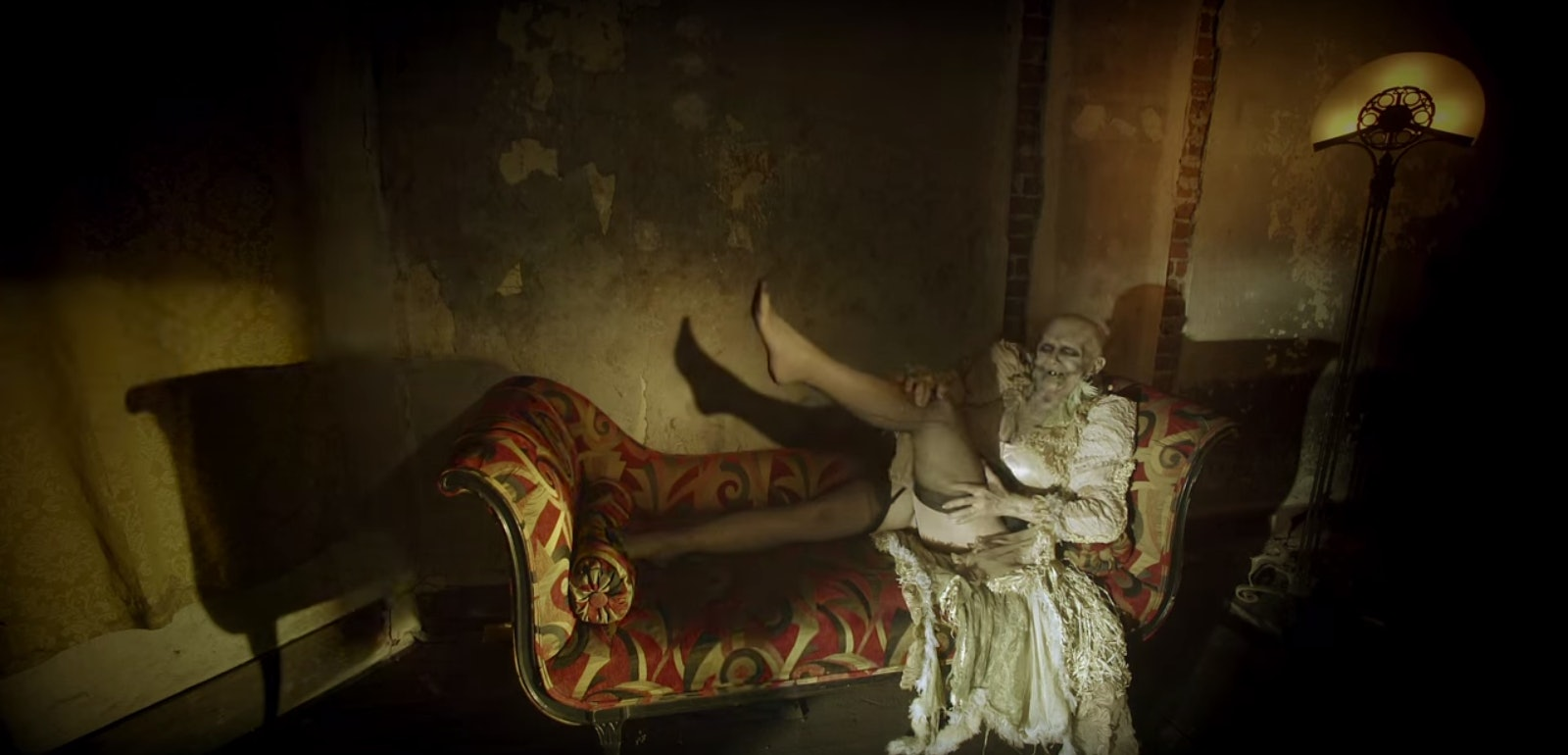 American Horror Story Hotel S Opening Credits Will Make You