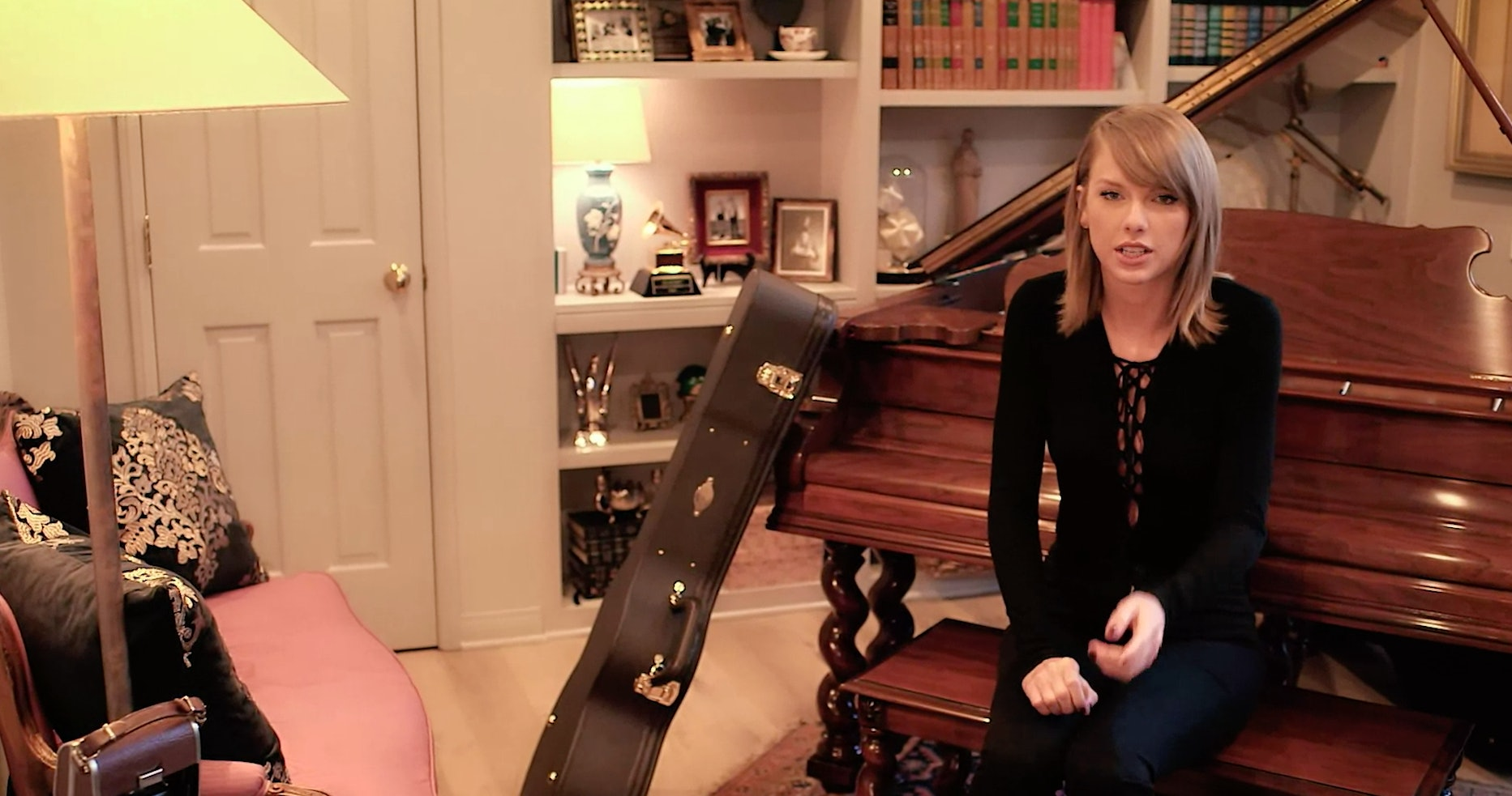 Taylor Swift S House Tour Reveals 19 Incredibly Cool Things She