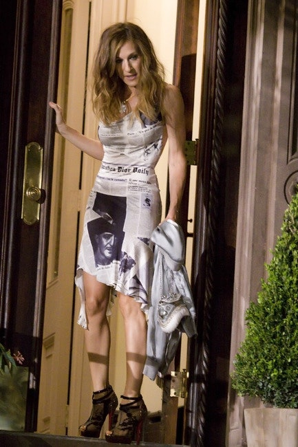 ba58ca62dbd4 The 36 Most Memorable Carrie Bradshaw Outfits On  Sex And The City  Ranked  In Order Of Fabulousness