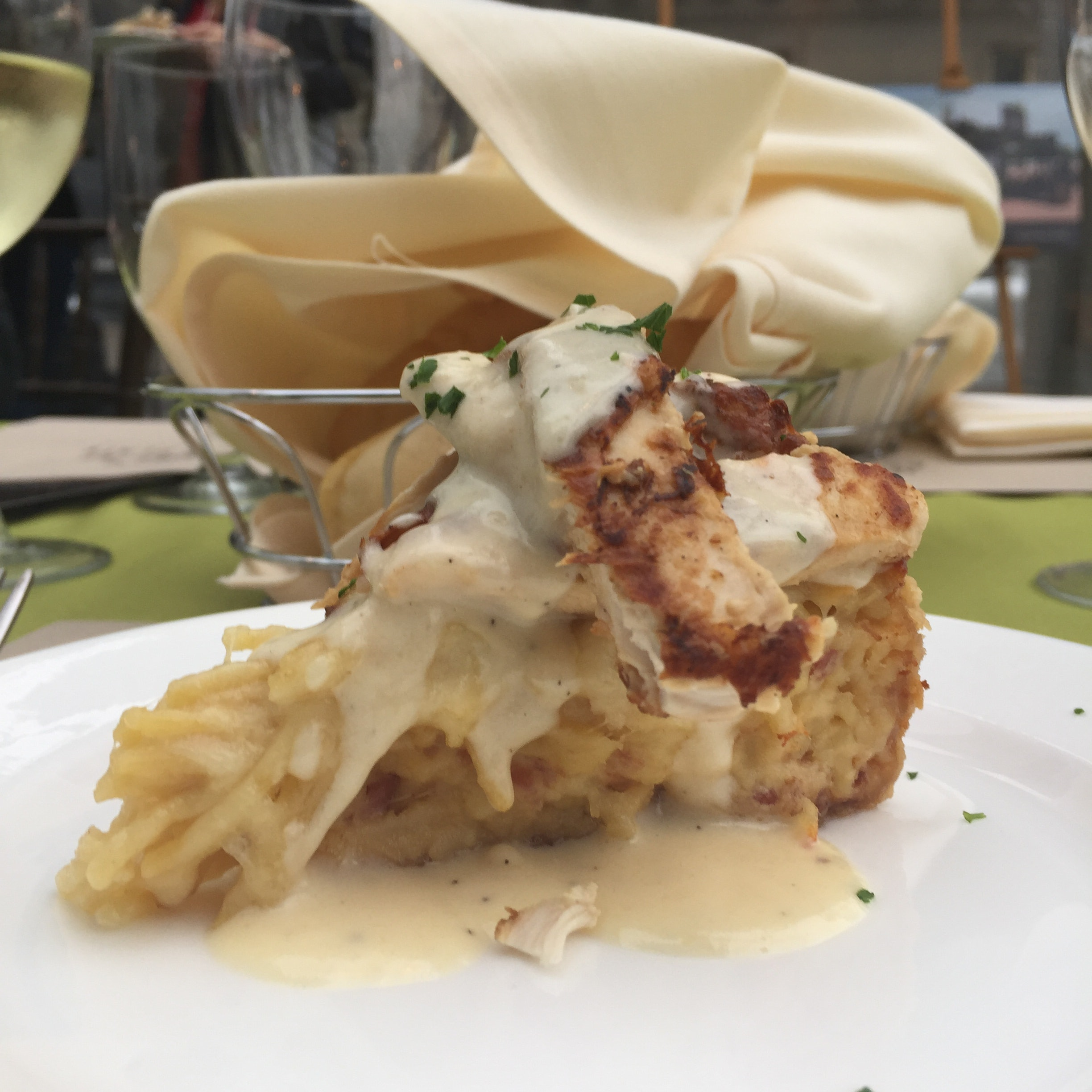 Olive Garden Spaghetti Pie Is A Thing That Exists Now, And It\'s All ...