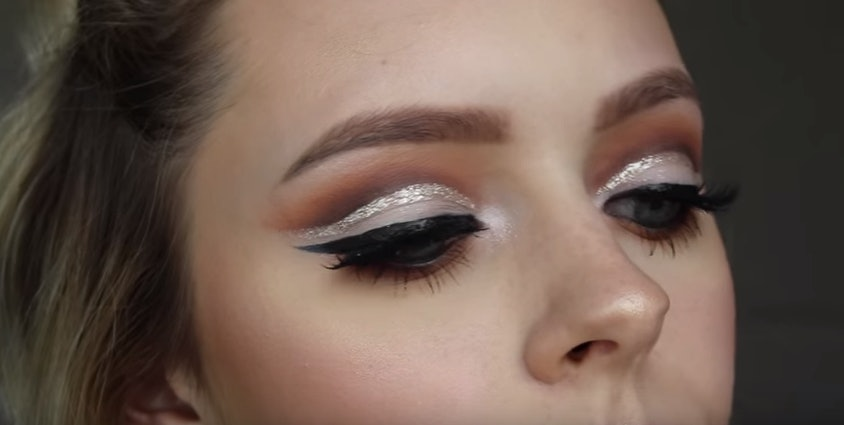 7 Glitter Cut Crease Makeup Tutorials That Will Inspire You To Try This 2016 Trend — VIDEOS