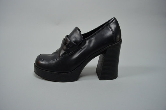 2e6d4a24875 13 Platform Shoes You Loved In The  90s