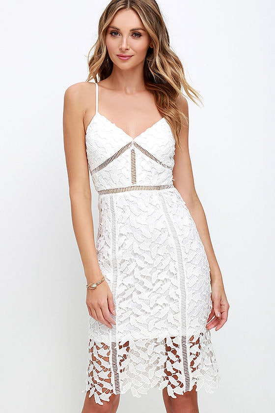 3219b61817f9 Miranda Kerr Wears Self Portrait Dress That Will Give You Winter Feels —  PHOTO