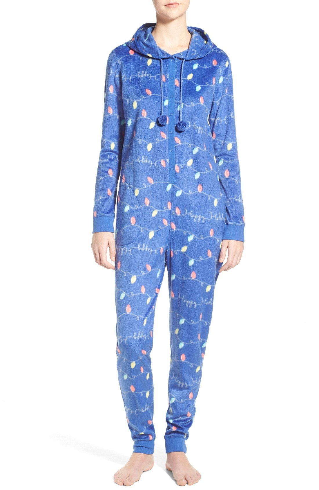 10 Cozy Onesie Pajamas To Gift Or Keep For Yourself This Holiday ...
