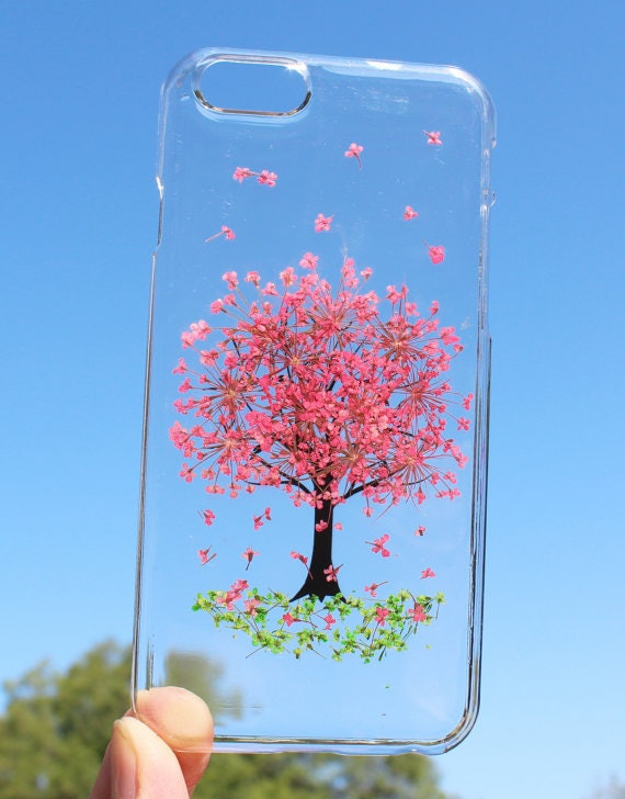 These Real Flower Phone Cases For Spring Will Brighten Up