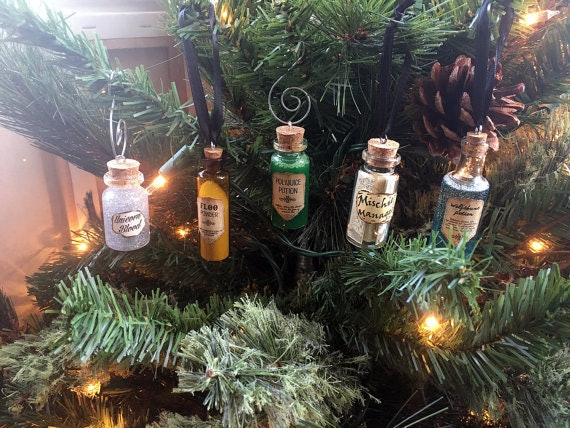 11 Harry Potter Holiday Decorations To Make Your House As Magical