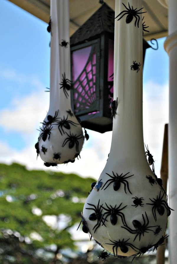 7 easy halloween decoration diys that will scare the daylights out 7 easy halloween decoration diys that will scare the daylights out of your guests solutioingenieria Images