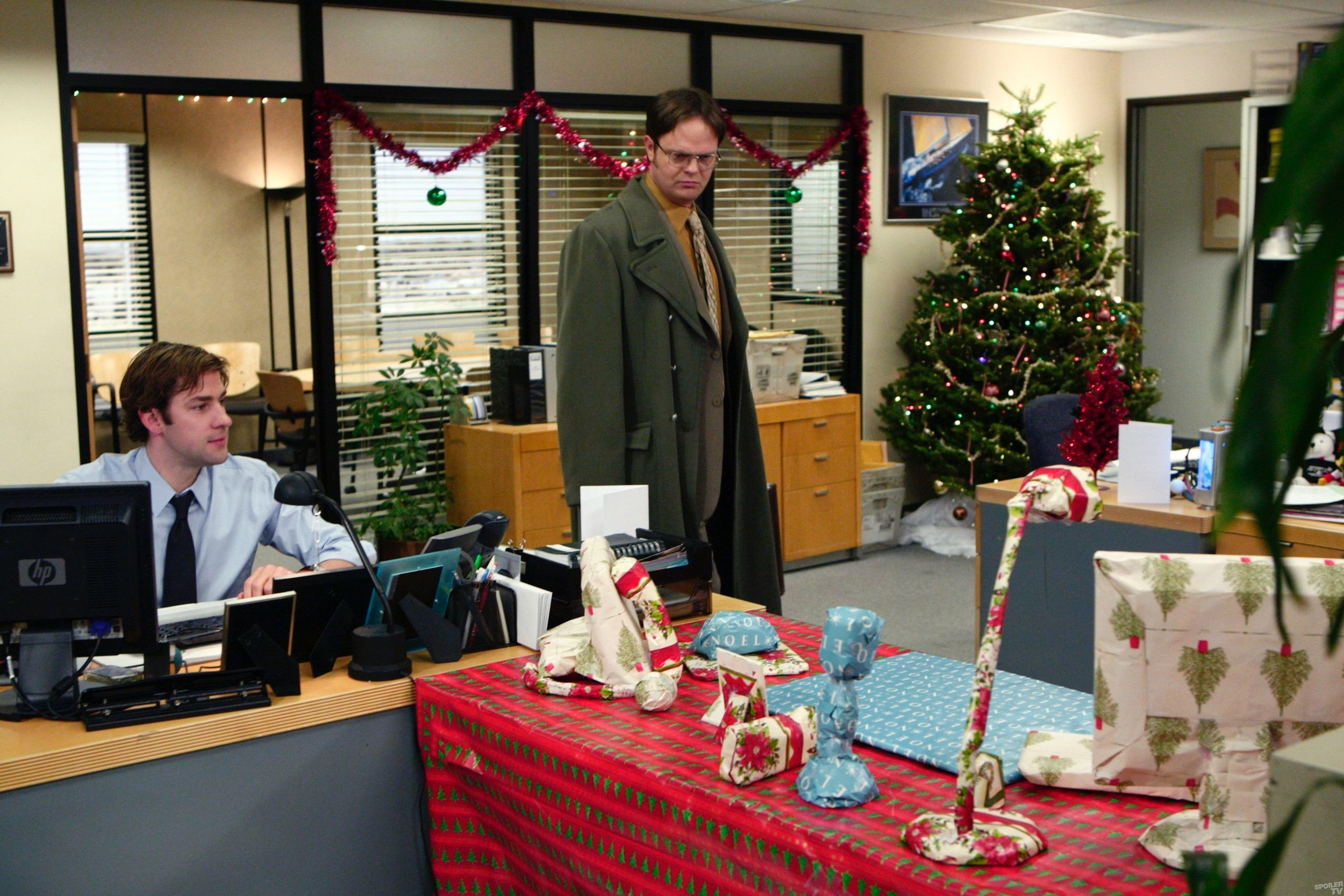 Which TV Show Is the Best at Christmas Episodes? Quality Is More ...