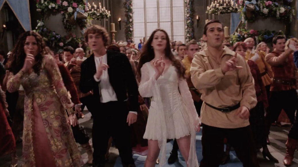 24 Things You Notice When You Re-watch \'Ella Enchanted\' Aka Anne ...