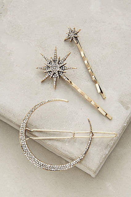 aed29162cec 23 Holiday Hair Accessories That Will Have Your Festive Flair Sorted —  PHOTOS