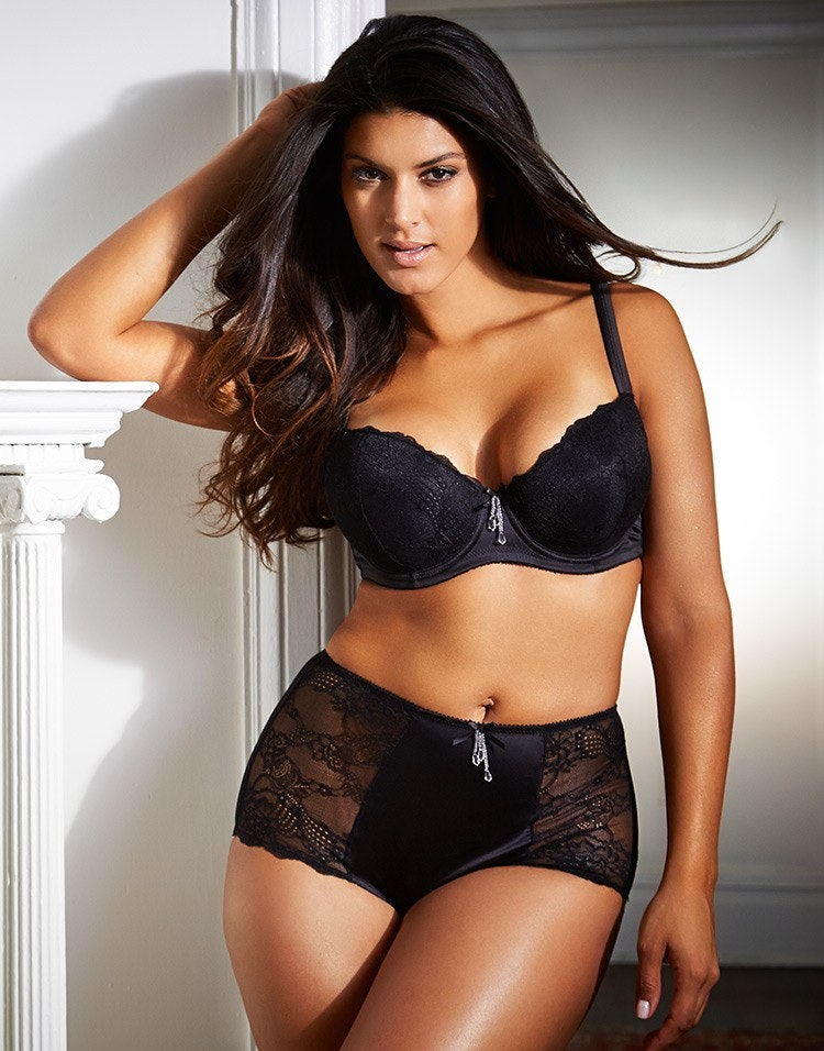 0713a5795 9 Lingerie Items For Fall That Will Keep You Feeling Sexy   Warm