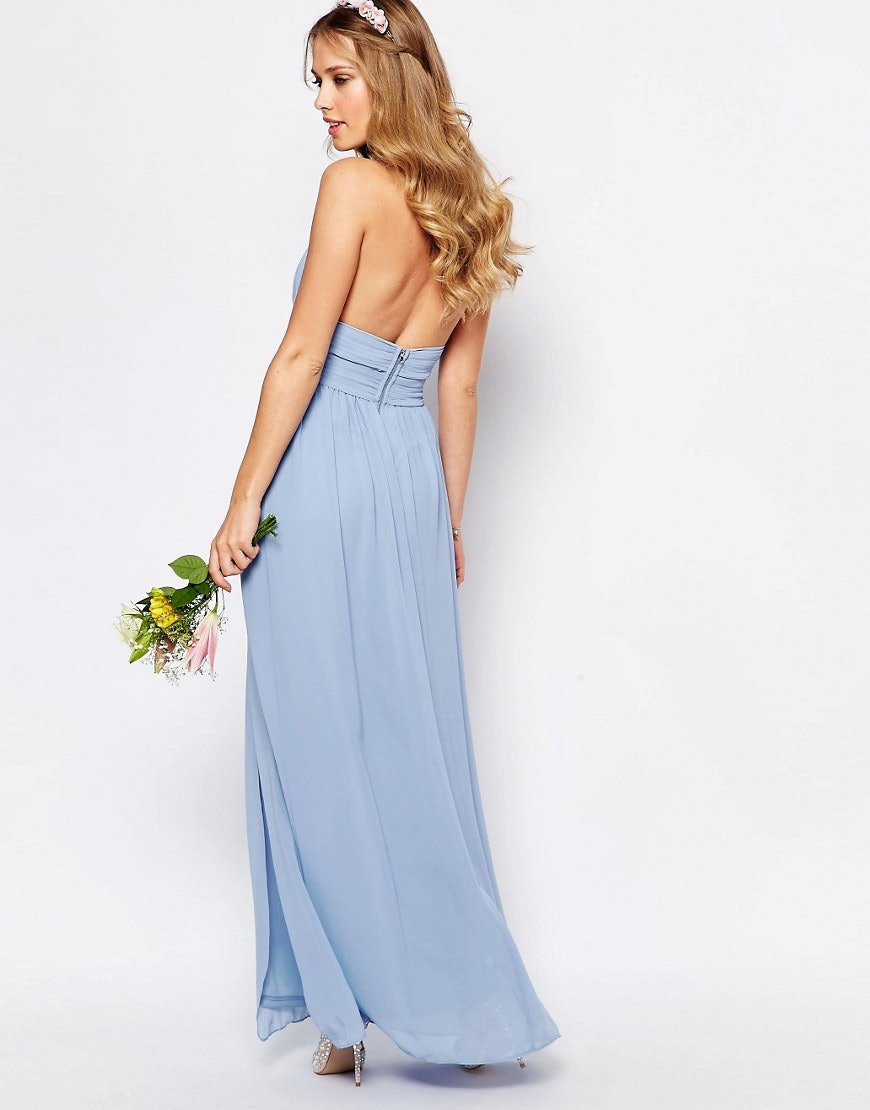 c539e4301d65f 11 Ways To Wear A Backless Dress With Big Boobs