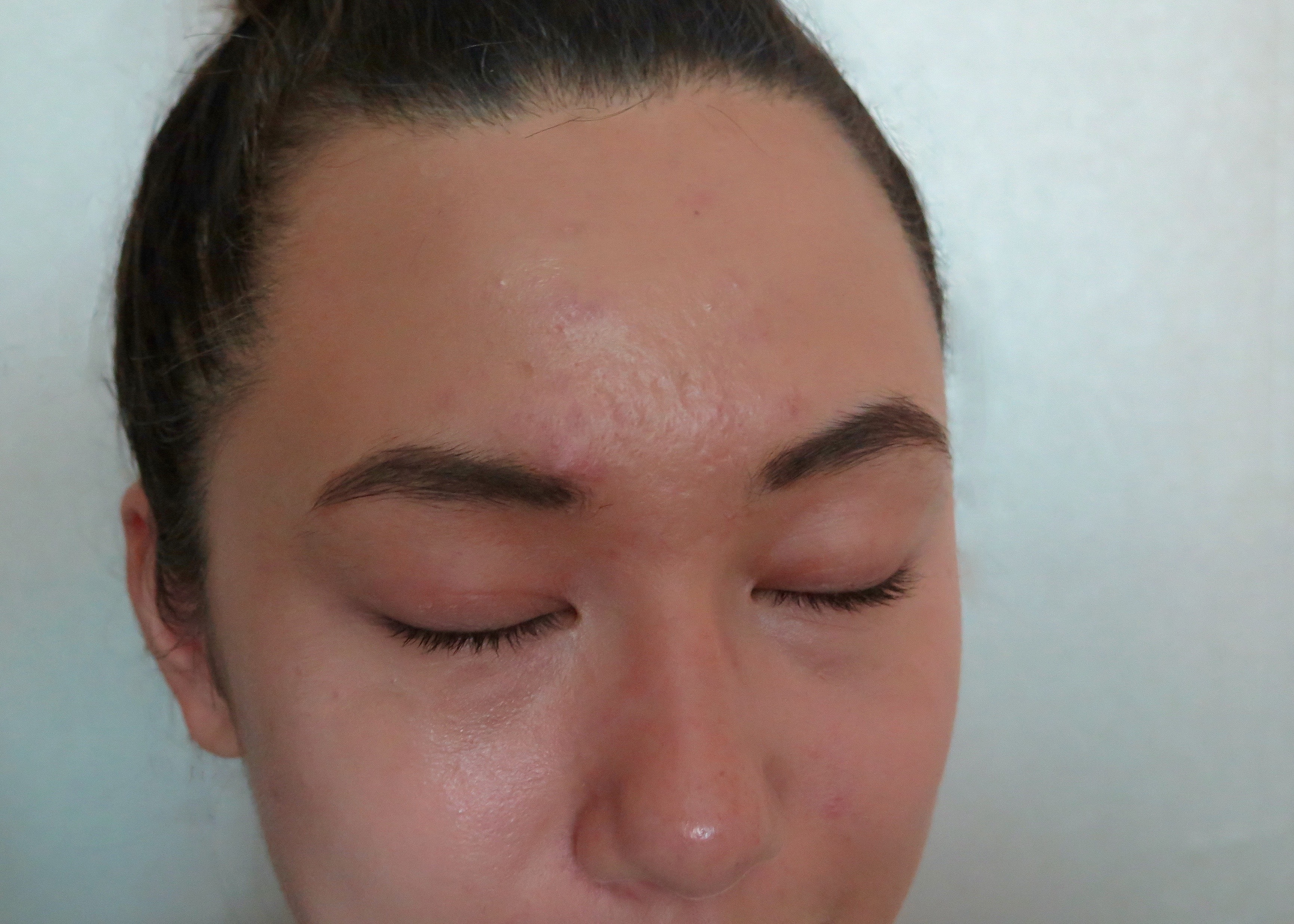 My Experience With A Korean Heated Eyelash Curler Went Up In Smoke