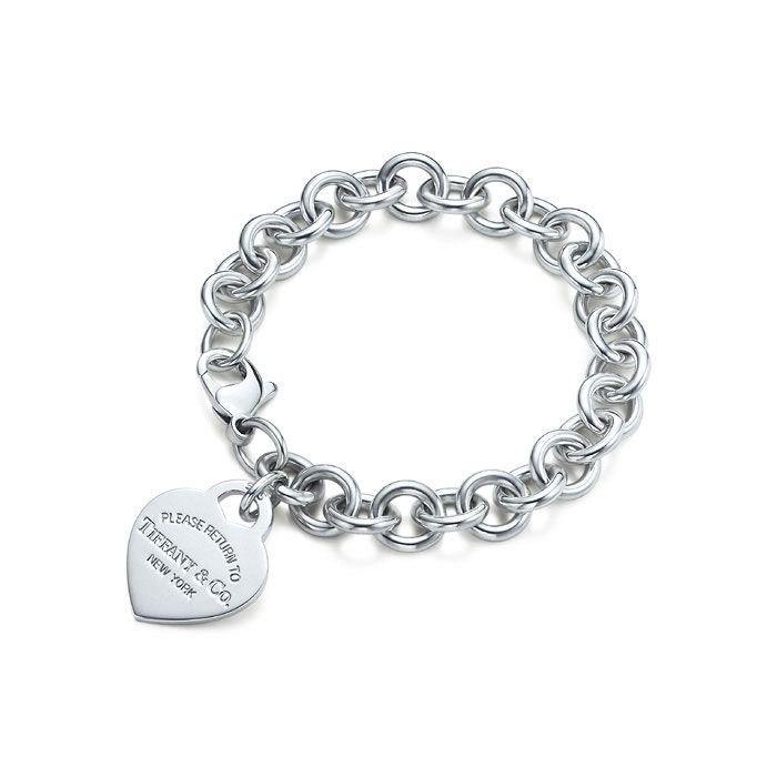 d7cc24979 9 Charm Bracelets From The Early 2000s That Were Totes Adorbs — PHOTOS