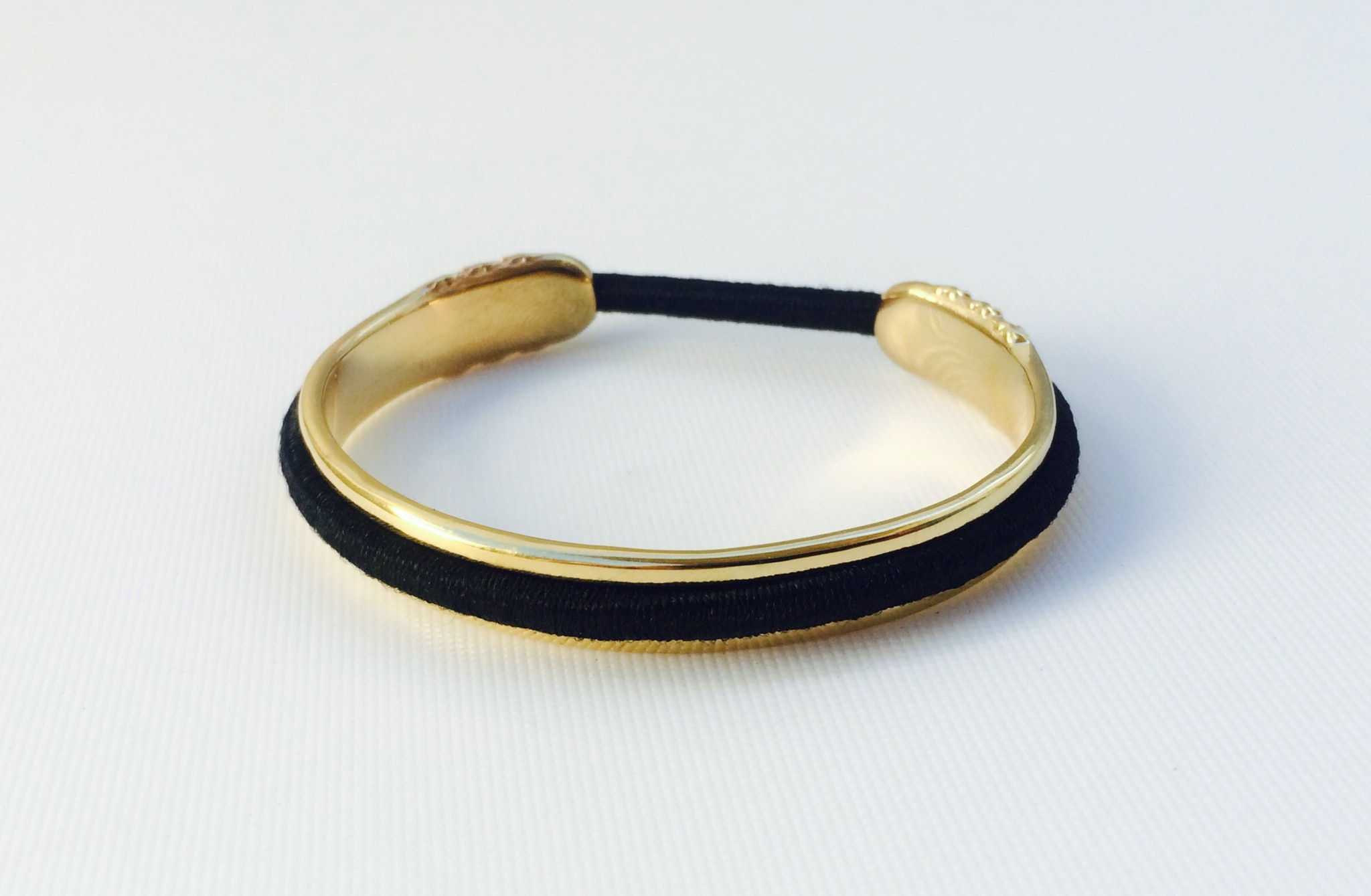 BitterSweet Jewelry s Bracelet Has A Built-In Hair Tie Holder And It s  Going To Change Your Life Forever 21f9bb12888
