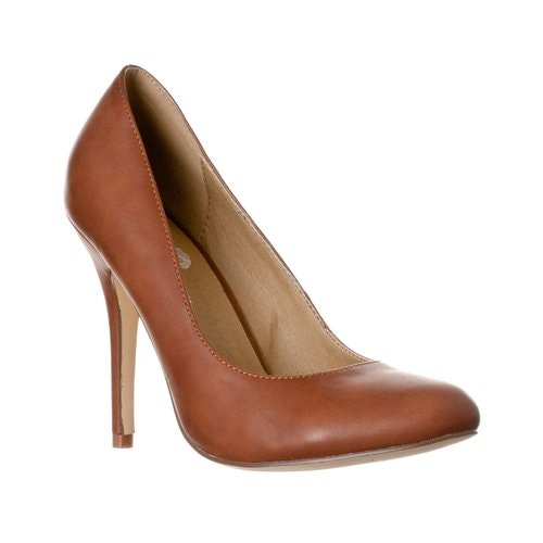 d456c81e354 15 Stylish Nude Pumps Comfortable Enough To Actually Wear All Day