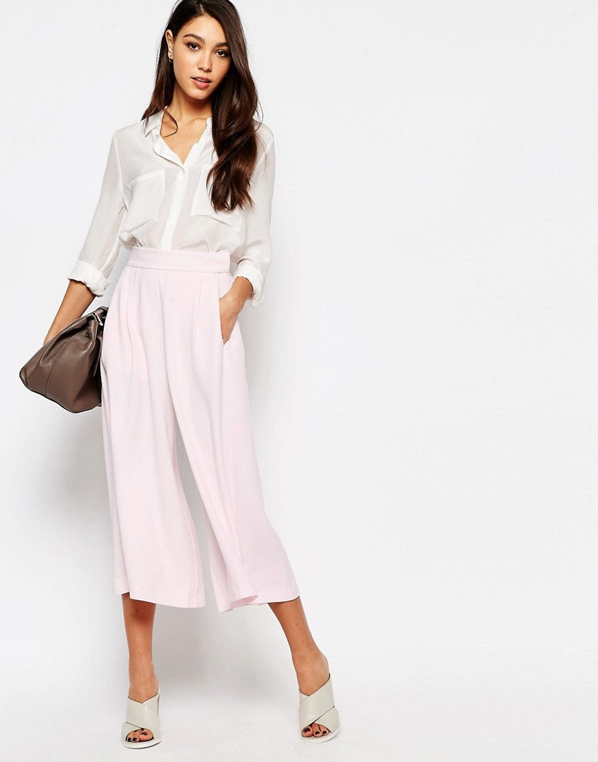 737048f5908 What To Wear To Someone Else s Graduation Without Stealing Anyone s Thunder