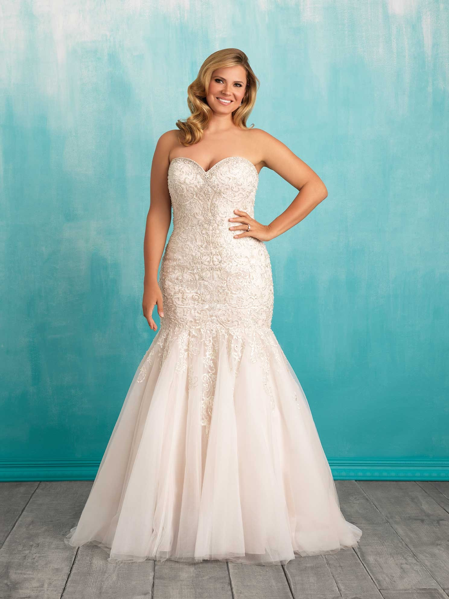 These 8 Plus Size Wedding Gown Designers Are Perfect For Body ...