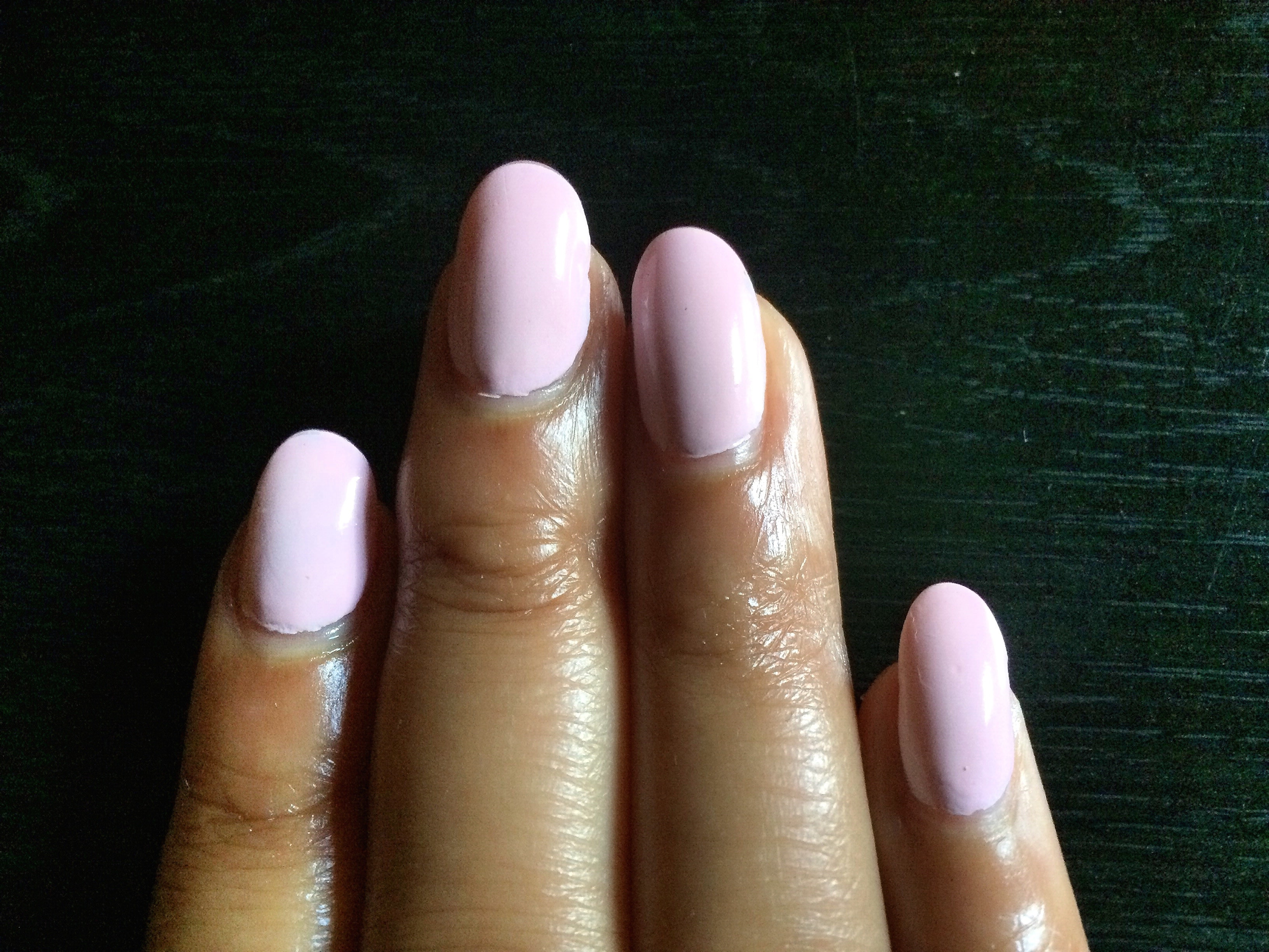 How To Do Ariana Grande\'s Nails In All Of Their Blush Pink, Oval Glory