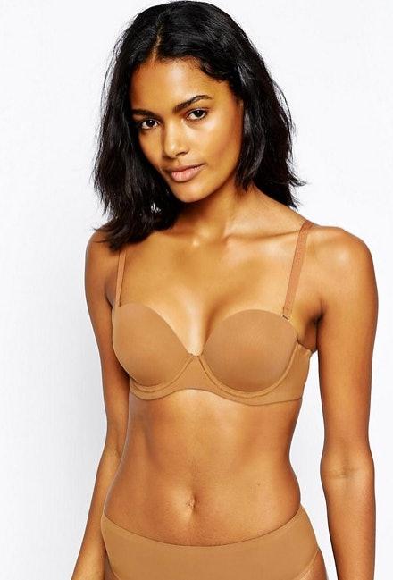 sexy-nude-caramel-skinned-toned-female-models-lesbian-orgasm