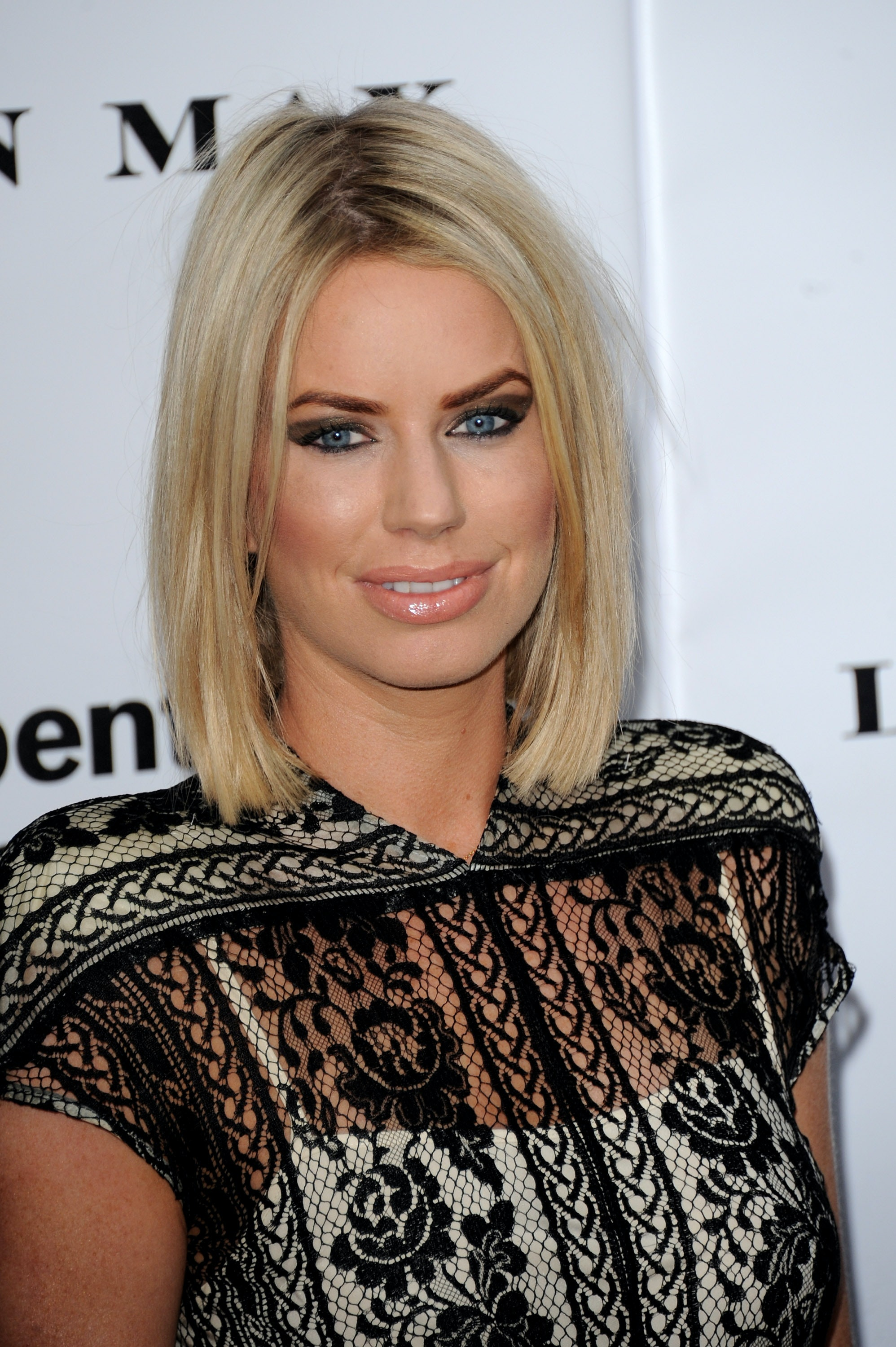 What Is Caroline Stanbury's Gift Library? The 'Ladies Of London ...