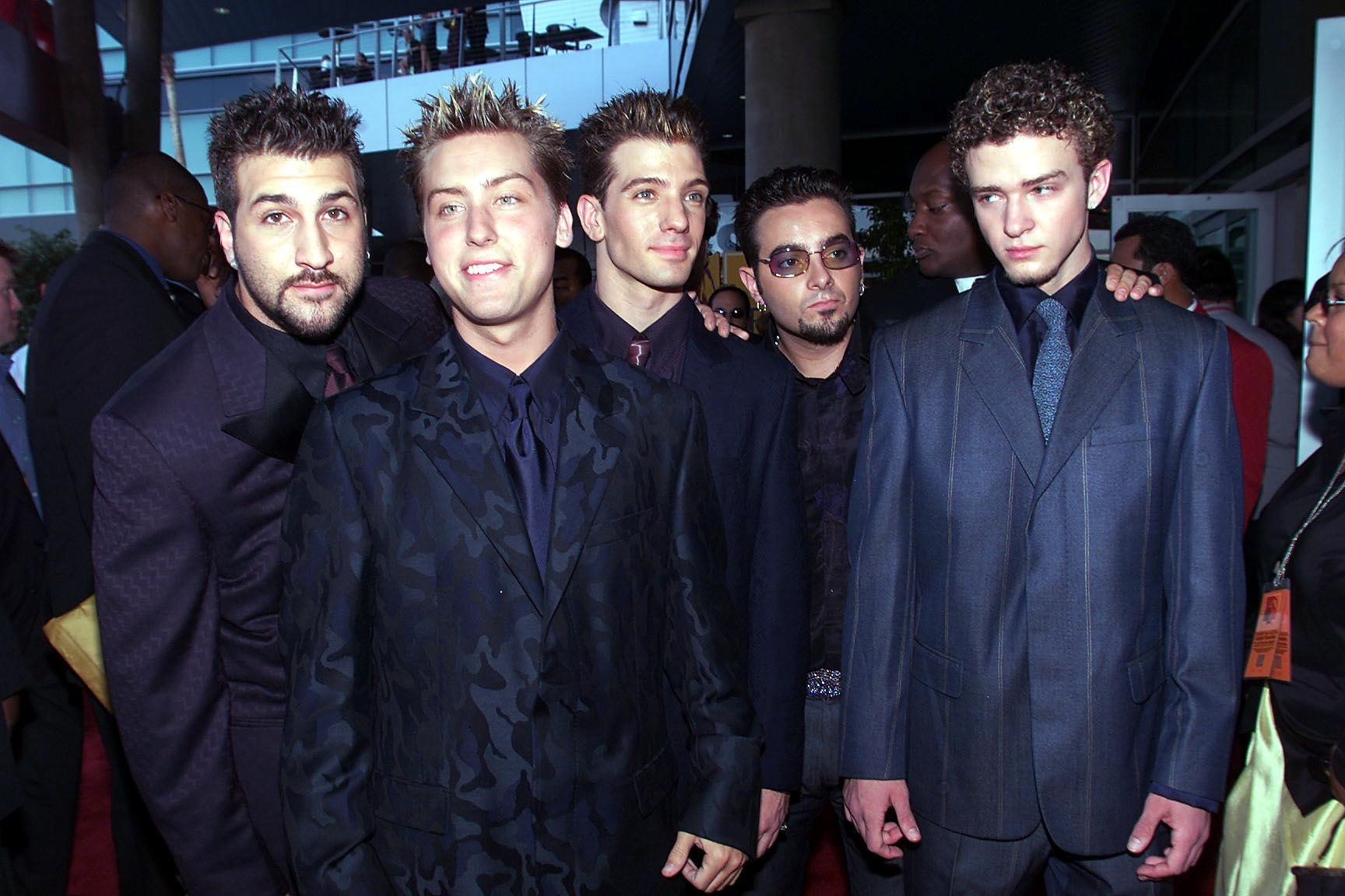 13 Christmas Songs That Only '90s Kids Love From *NSYNC Carols To ...