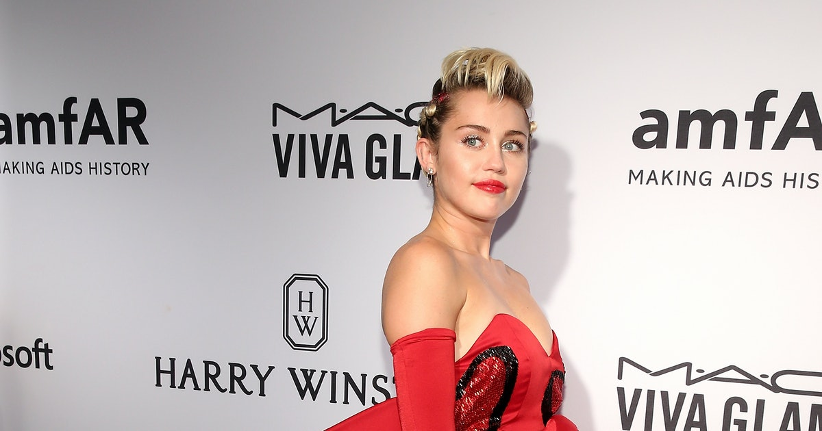 Miley Cyrus Goes Topless For 'V' Magazine, Poses In An ...