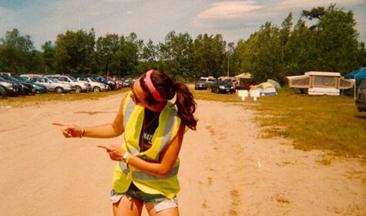 how to keep my hair clean at a festival