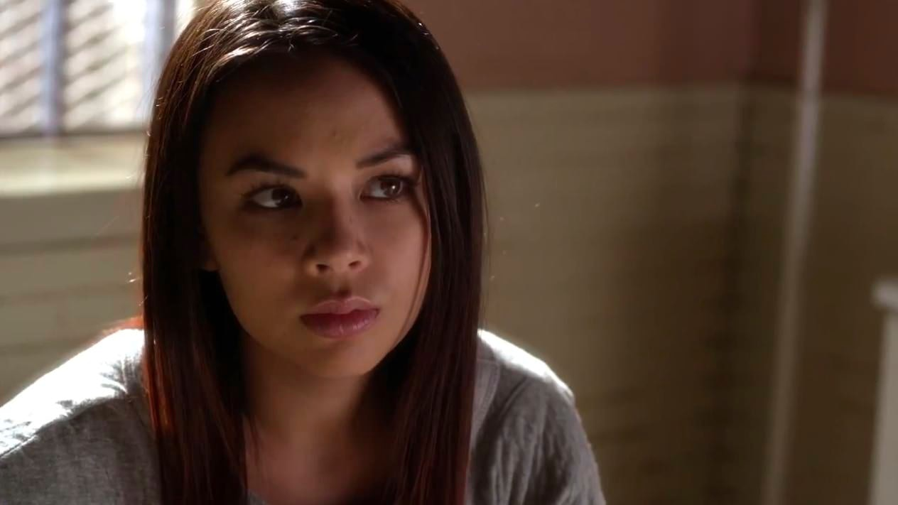 who is mona dating in pretty little liars In 2010, pretty little liars was adapted into a television series janel parrish initially auditioned for the role of spencer hastings, which went to troian bellisario the hollywood reporter later revealed that parrish had won the role of mona vanderwaal.