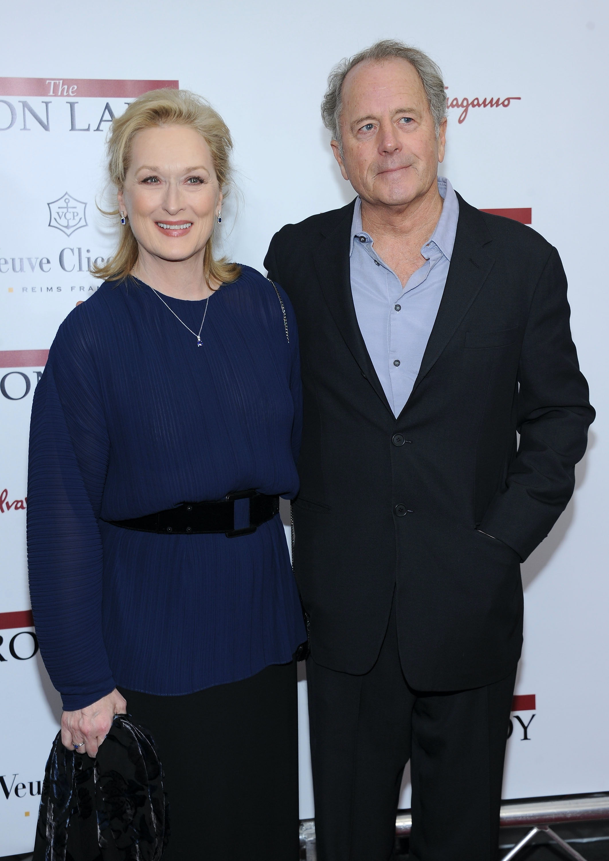 Meryl Streep holds hands with husband Don Gummer at Oscar party ...