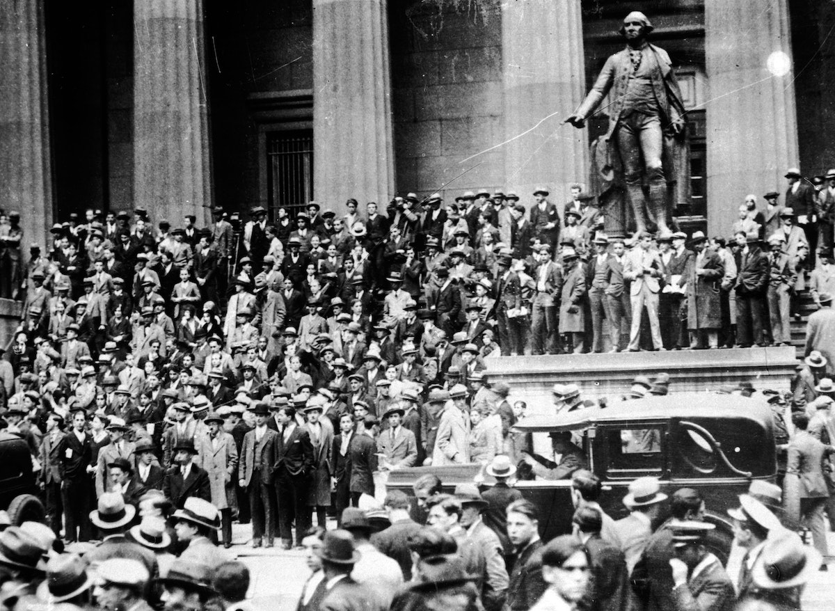 the wall street crash and the great depression The wall street crash and the great depression when the stock market collapsed on wall street on tuesday, october 29, 1929, it sent financial markets worldwide into a tailspin with.