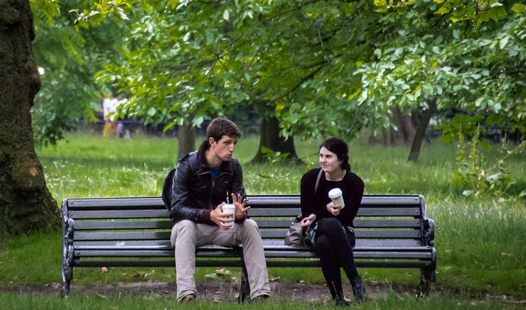 what is the difference between dating and seeing each other
