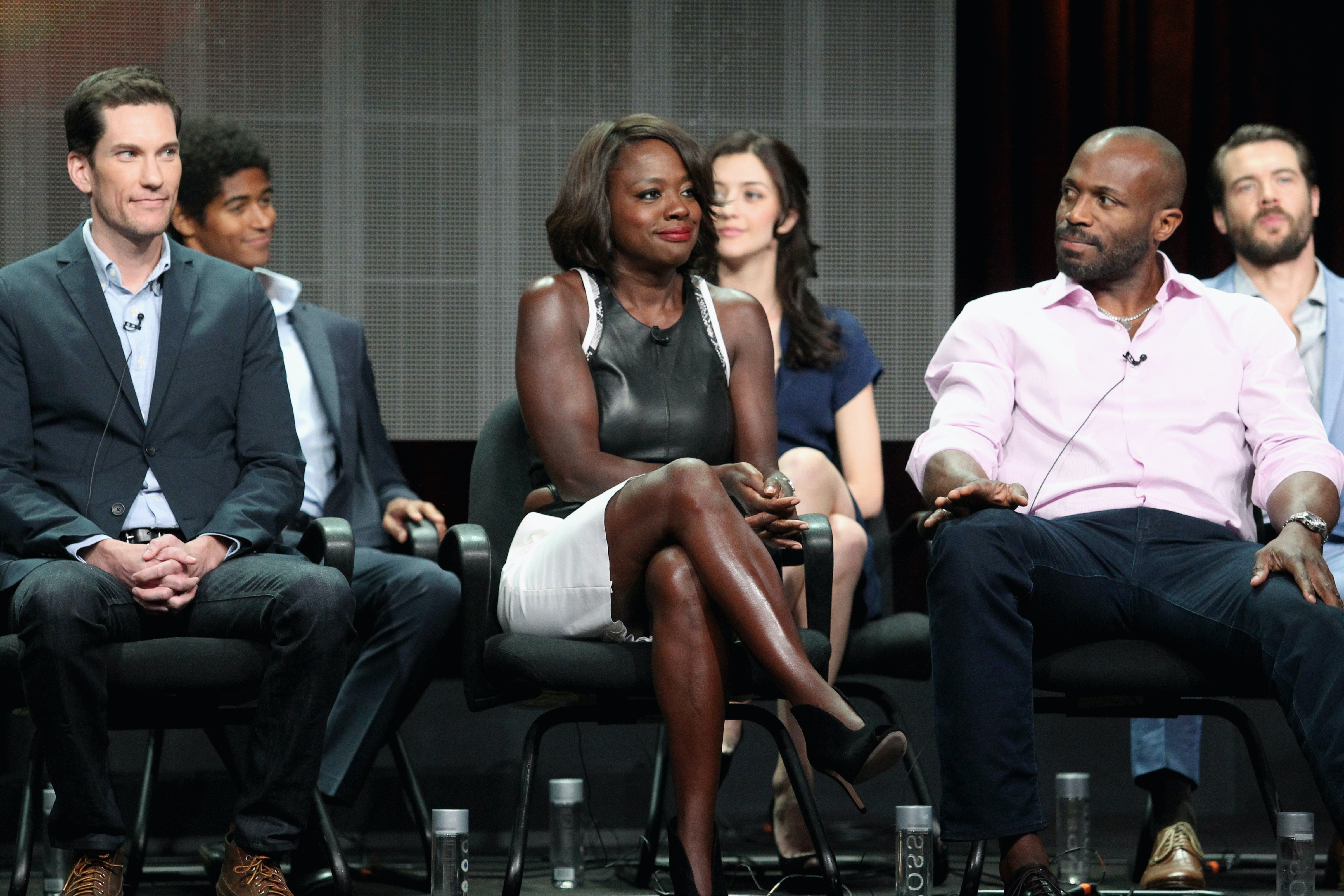How to dress like the cast of how to get away with murder ccuart Image collections