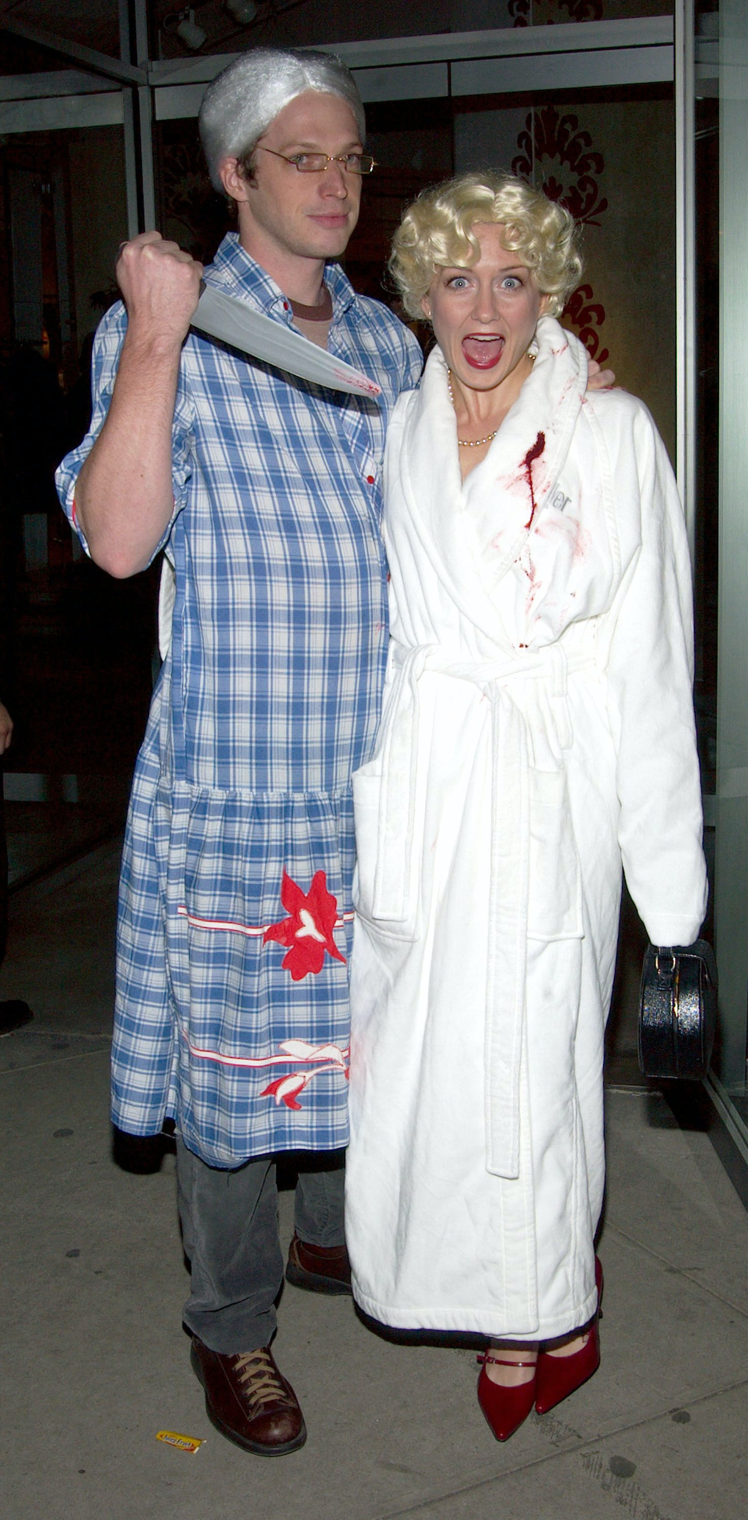 20 Funny Couples Halloween Costumes That Are Way Better Than Elsa ...