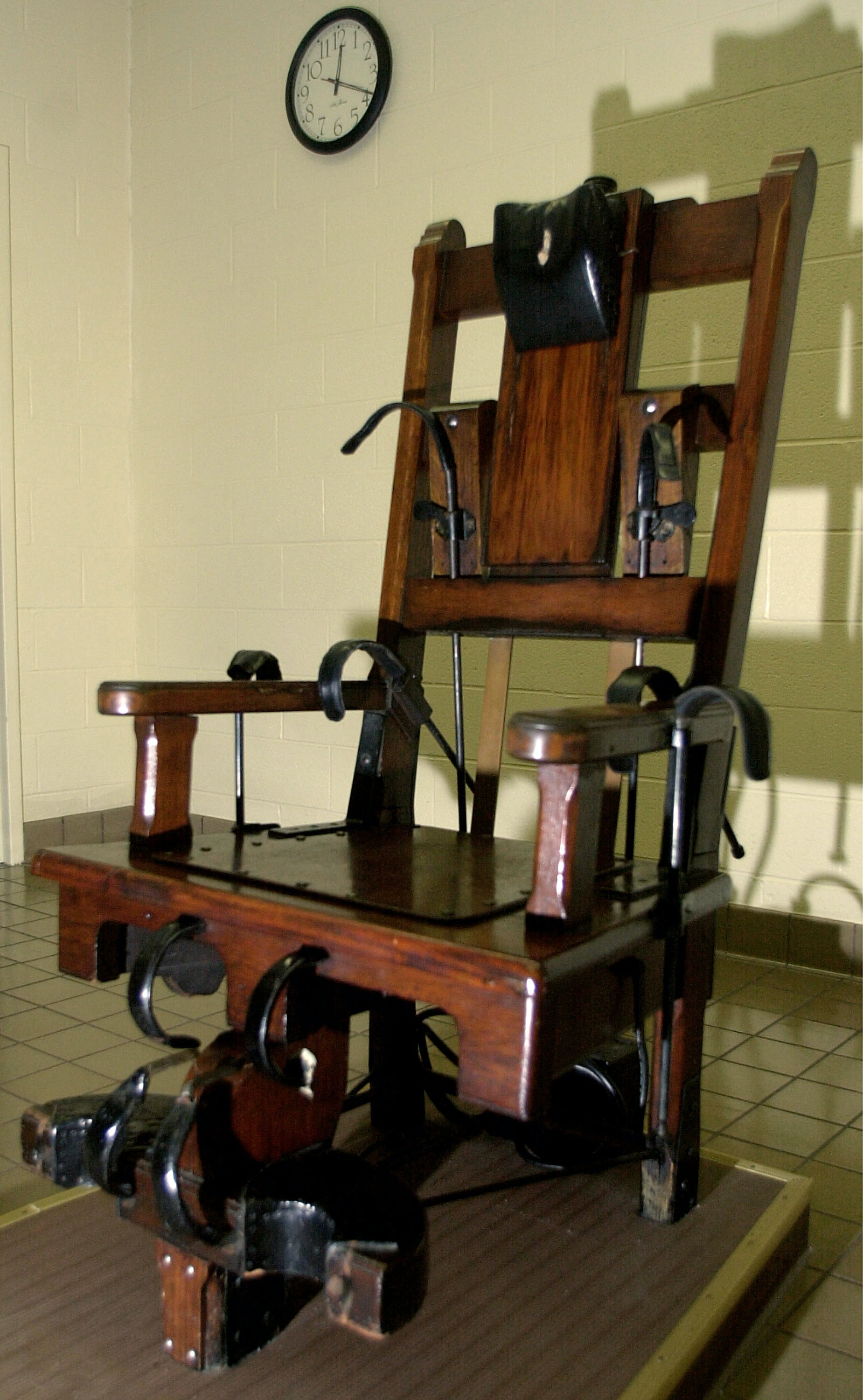 Electric chair chamber - Tennessee Brings Back Electric Chair As Long As Lethal Injection Drugs Aren T Available
