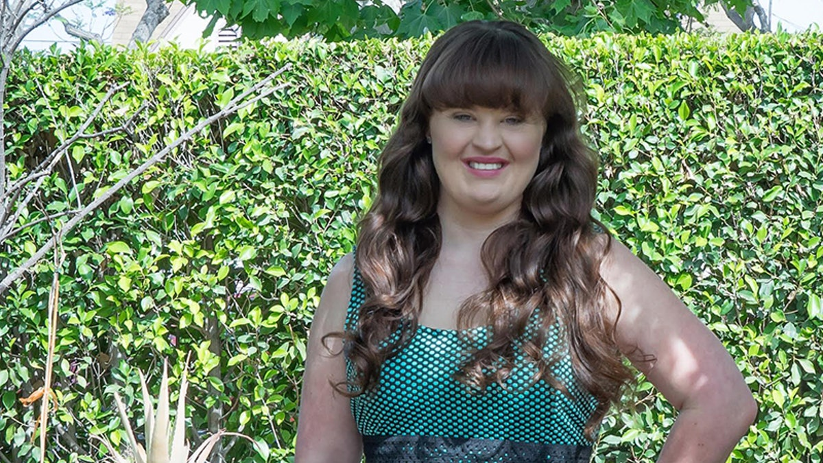 Jamie Brewer To Model For Carrie Hammer At NYFW, Talks Why ...