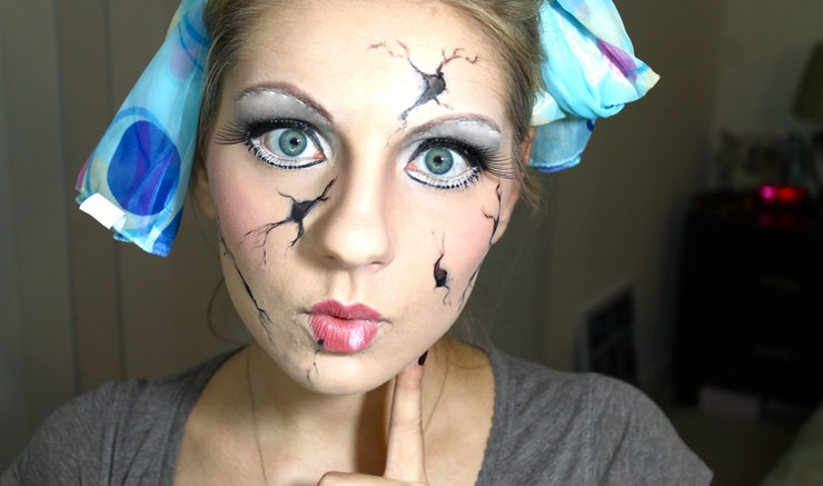 8 Cracked Doll Halloween Makeup Tutorials For A Cute & Creepy ...
